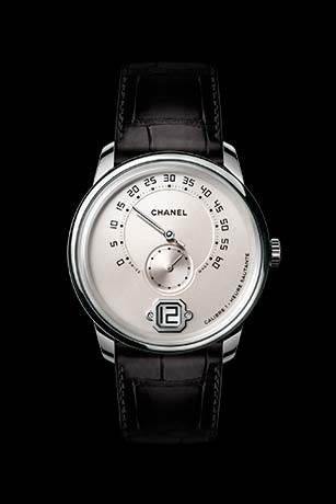 Monsieur watch in 18K white gold, ivory dial with jumping hour, 240° retrograde minutes and small second counter.