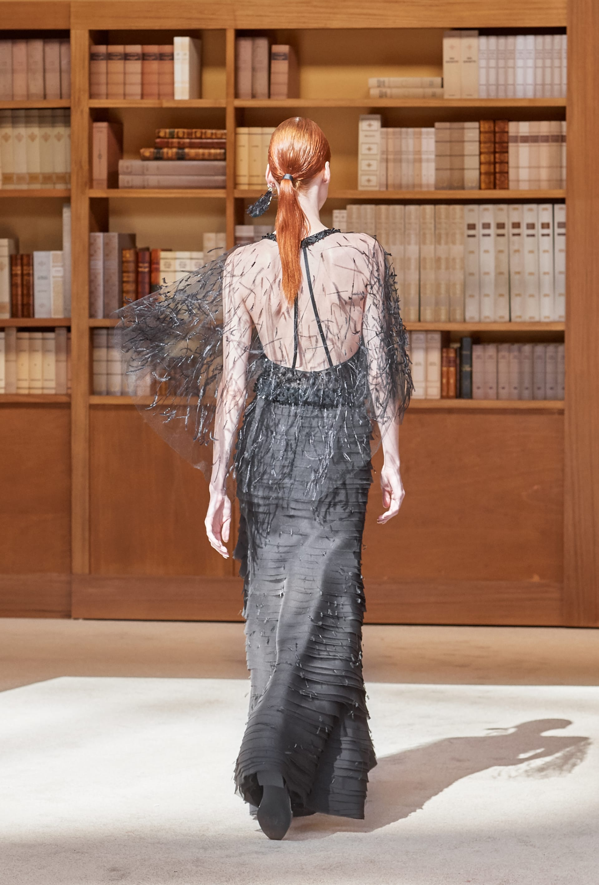 View 8 - Look 69 - Fall-Winter 2019/20 Haute-Couture - see full sized version