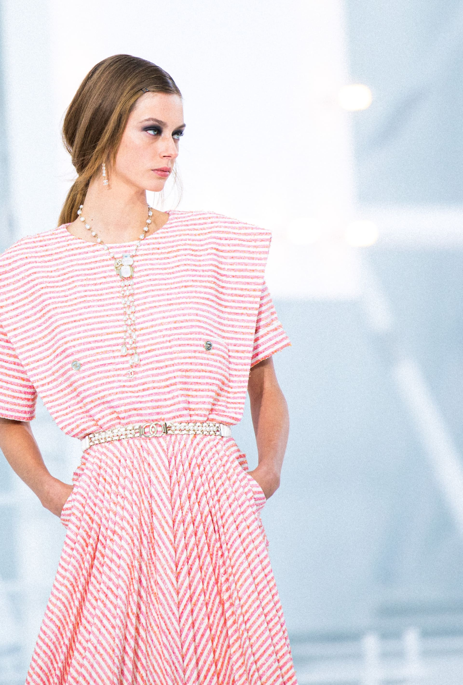 View 2 - Look 40 - Spring-Summer 2021 - see full sized version
