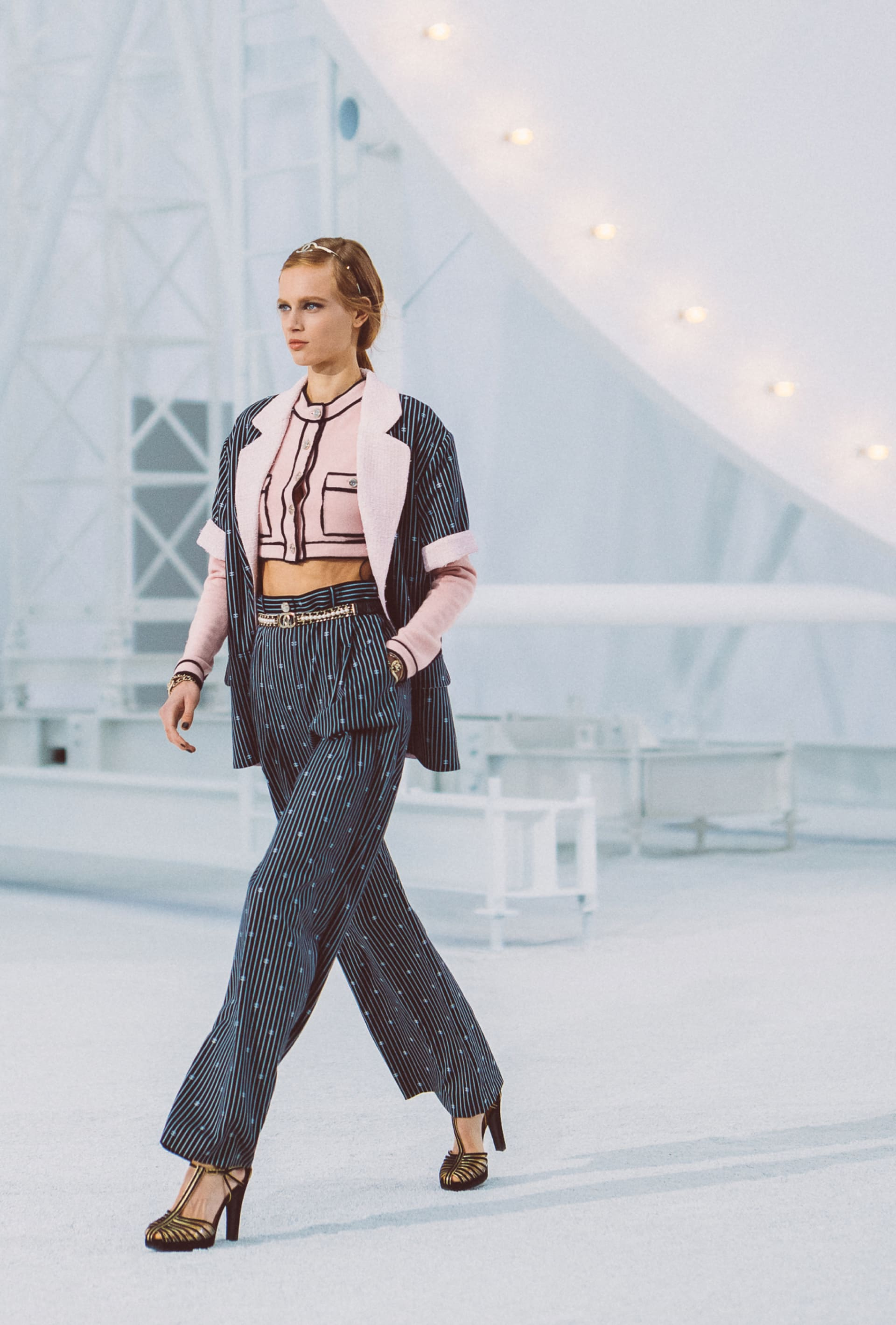 View 2 - Look 10 - Spring-Summer 2021 - see full sized version