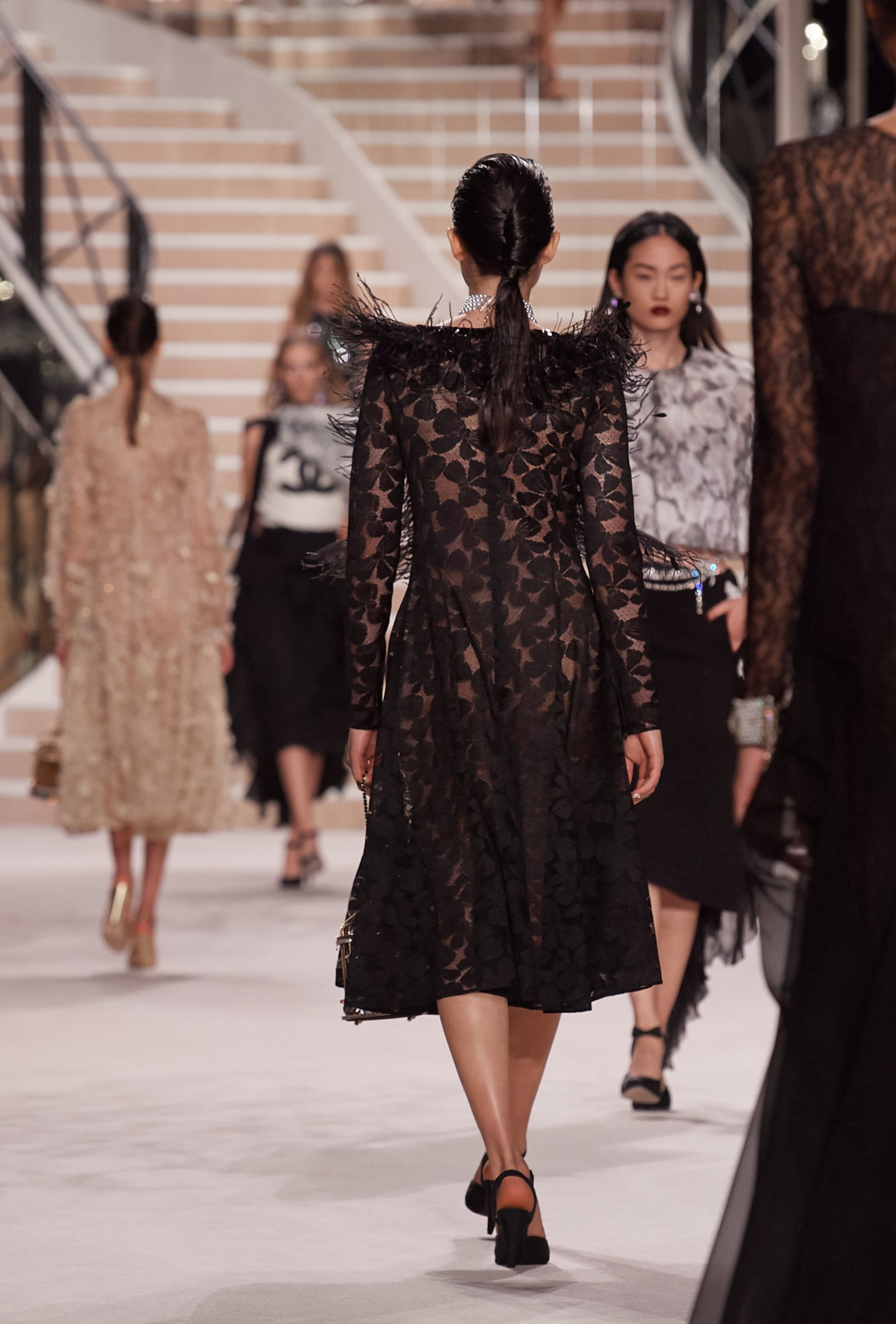 View 3 - Look 57 - Métiers d'Art 2019/20 - 查看全尺寸版本