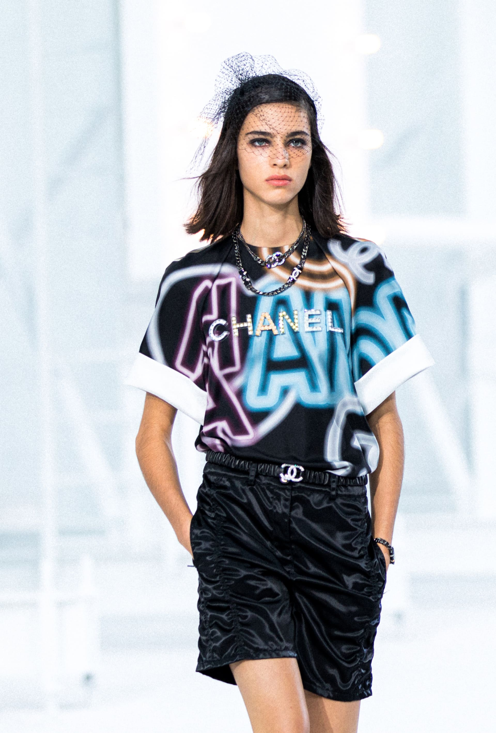 View 2 - Look 32 - Spring-Summer 2021 - see full sized version
