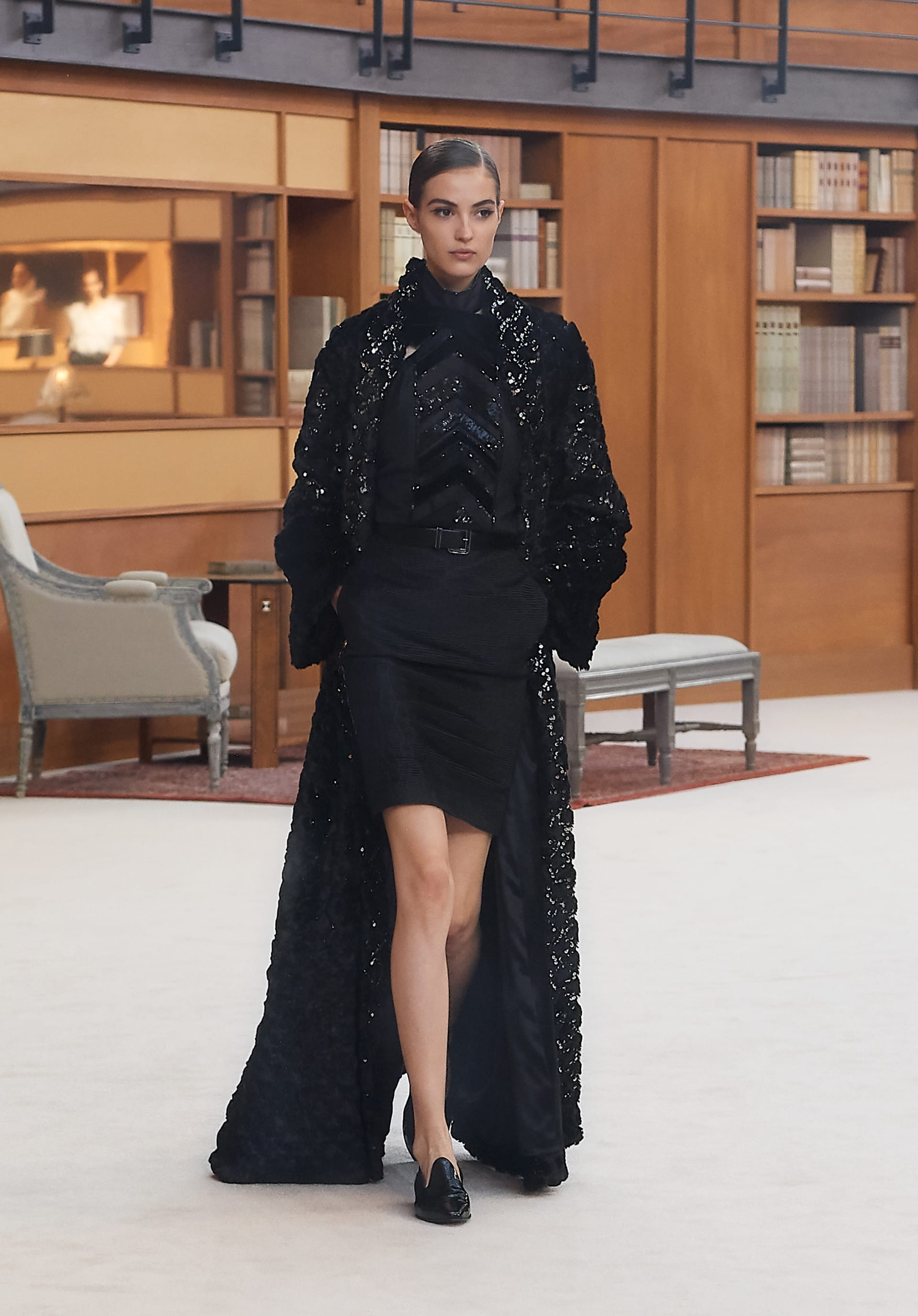 View 1 - Look 56 - Fall-Winter 2019/20 Haute-Couture - see full sized version