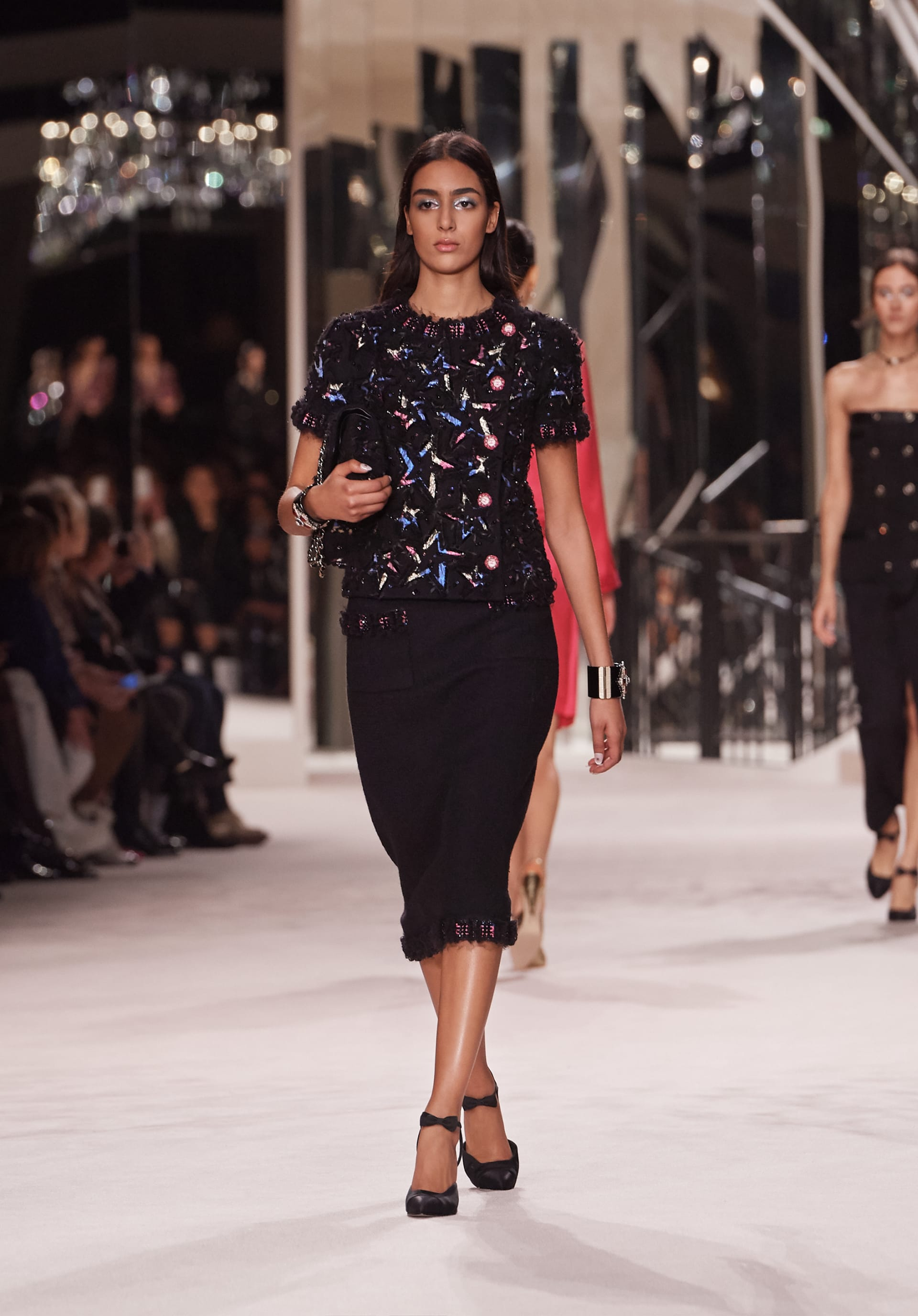 View 1 - Look 43 - Métiers d'Art 2019/20 - see full sized version