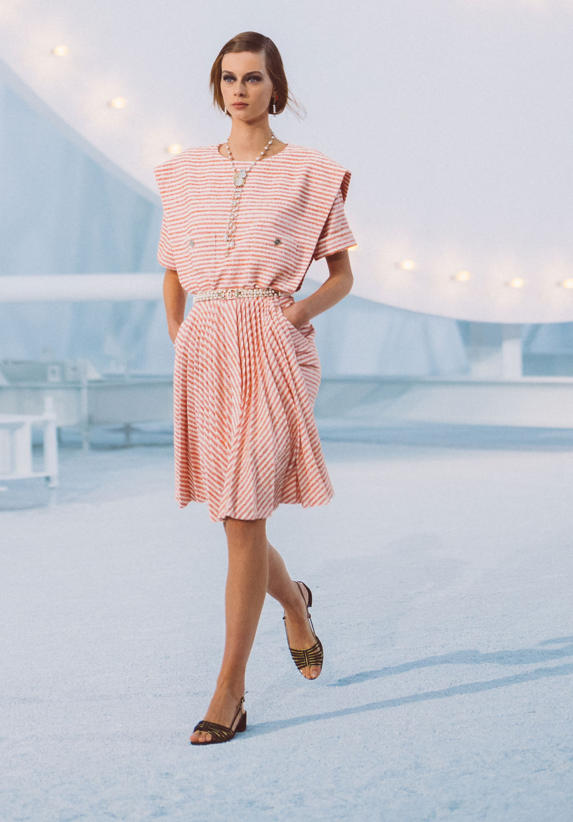 View 1 - Look40 - Spring-Summer 2021 - see full sized version