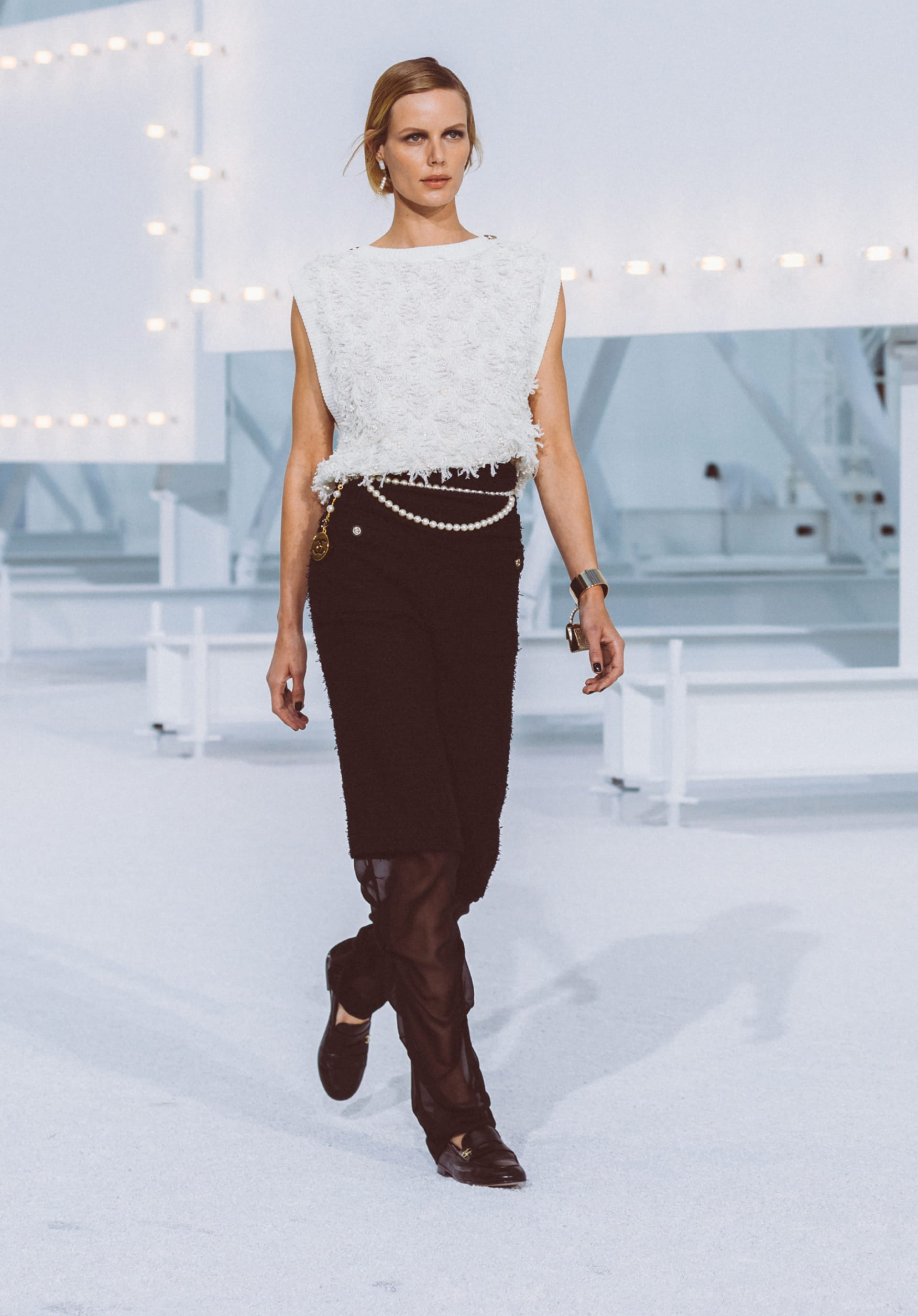 View 1 - Look51 - Spring-Summer 2021 - see full sized version