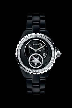 Часы J12 Tourbillon Volant Squelette из белого золота 18 карат и черной высокотехнологичной керамики с бриллиантами.