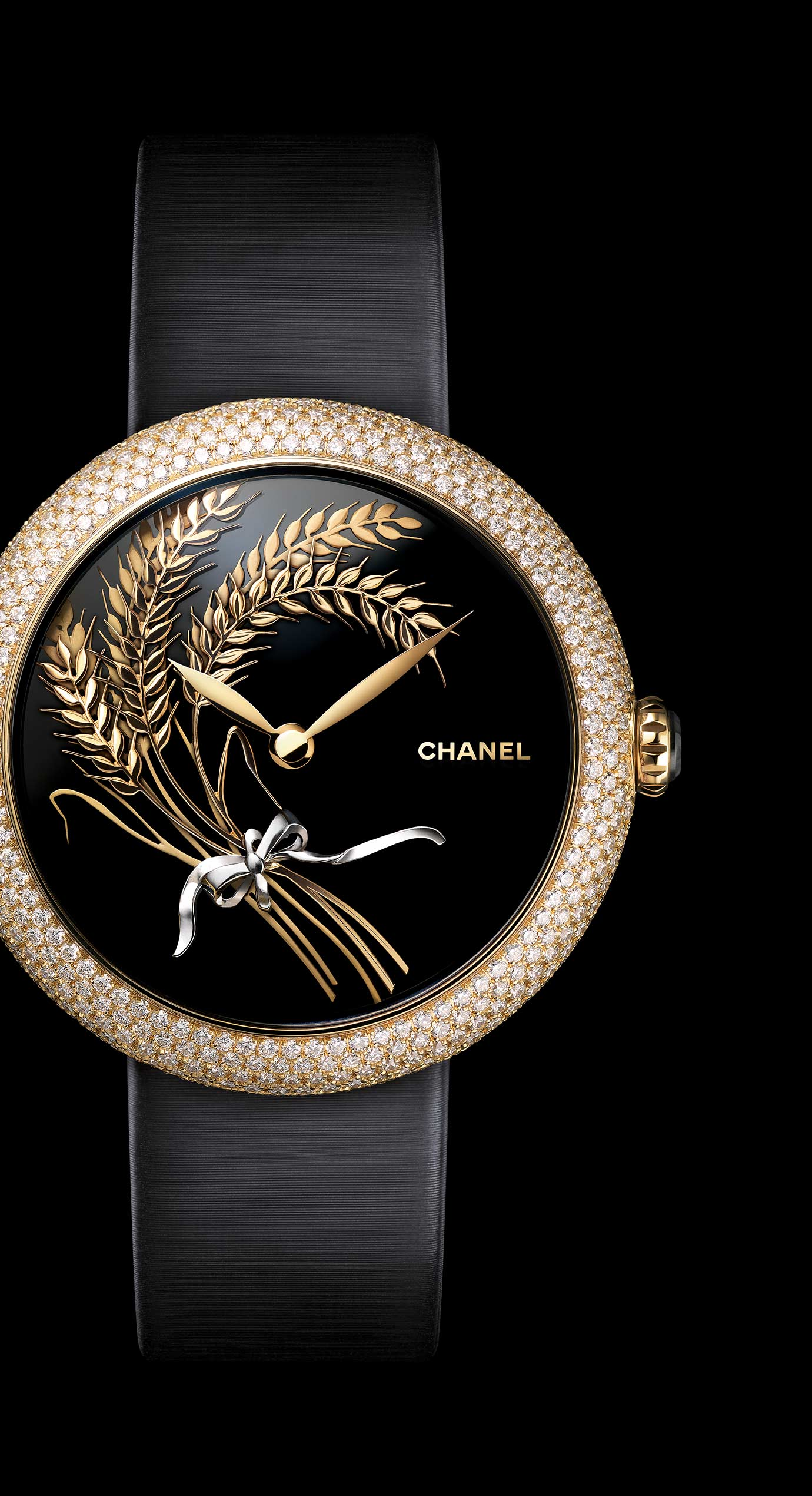 Mademoiselle Privé Les Blés de CHANEL Jewelry watch - Onyx and sculpted gold - Enlarged view