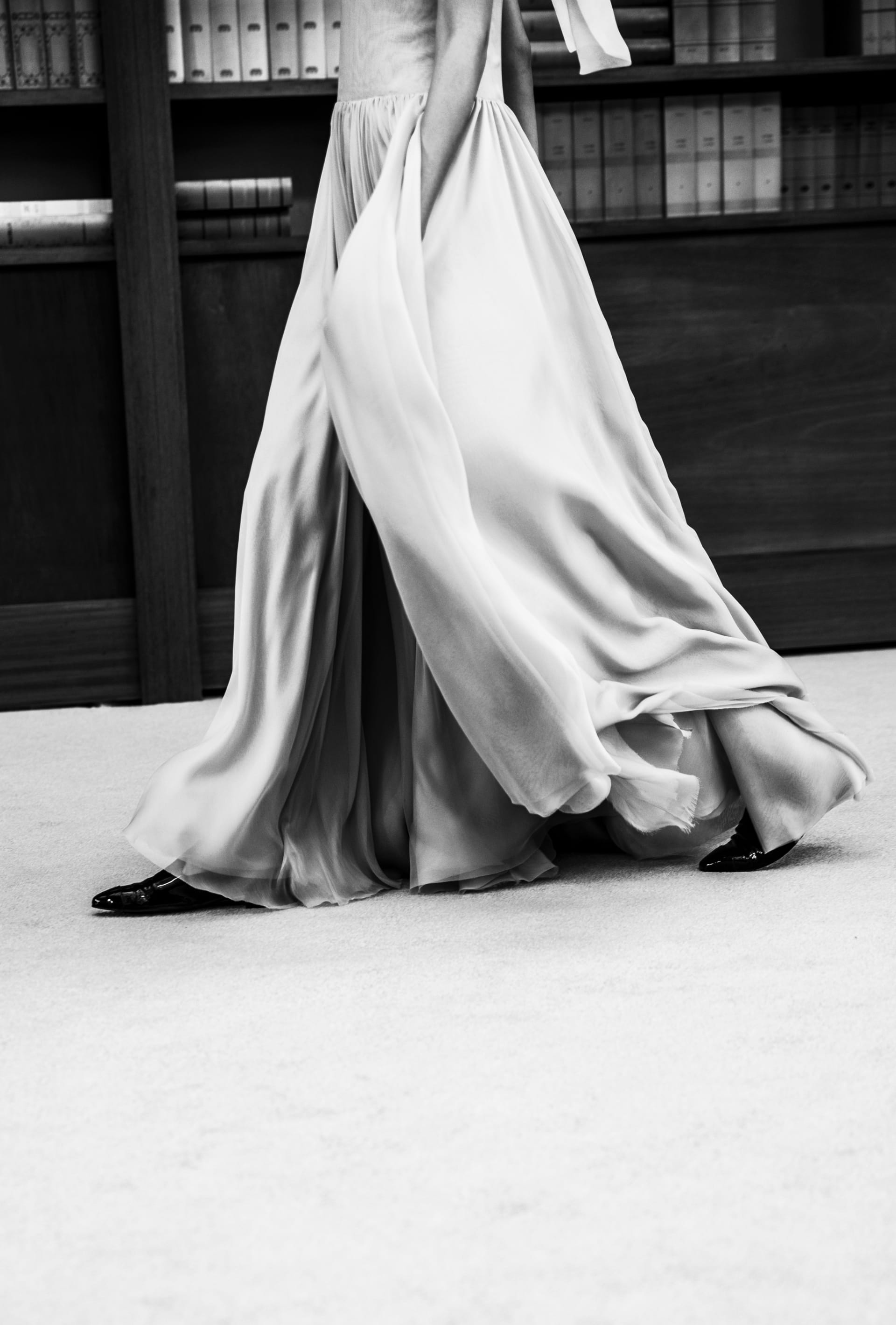 View 6 - Look 34 - Fall-Winter 2019/20 Haute-Couture - see full sized version