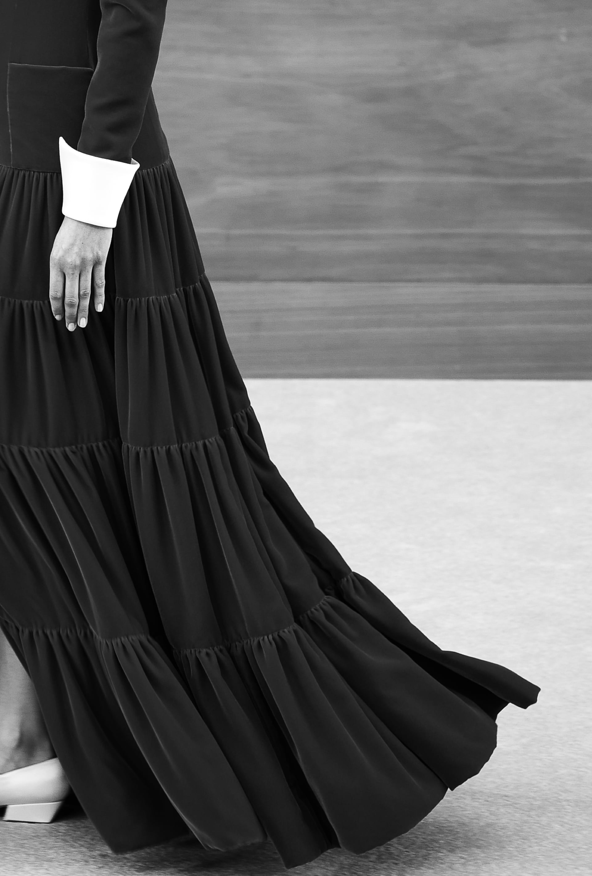 View 3 - Look 52 - Fall-Winter 2019/20 Haute-Couture - see full sized version