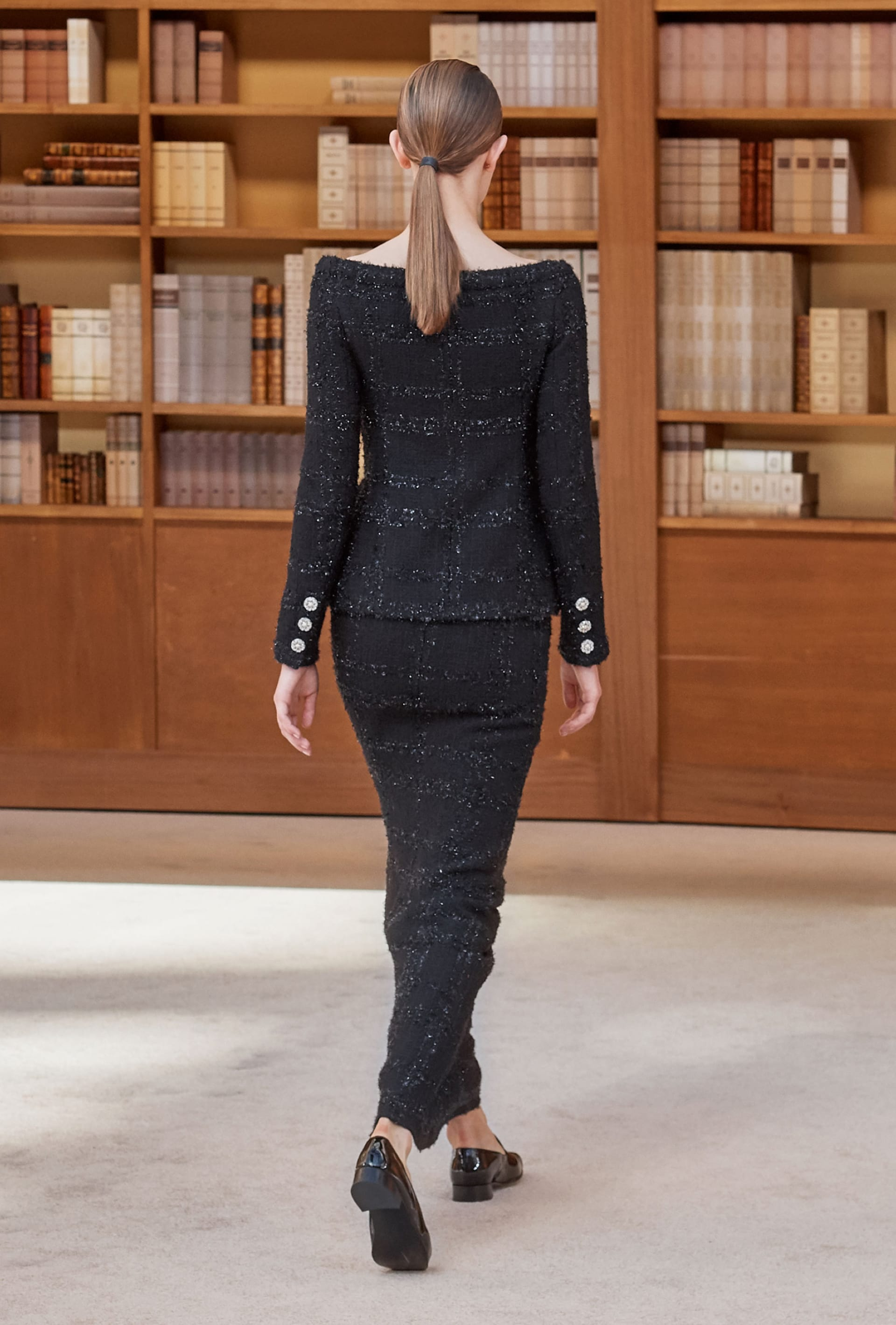 View 5 - Look 30 - Fall-Winter 2019/20 Haute-Couture - see full sized version