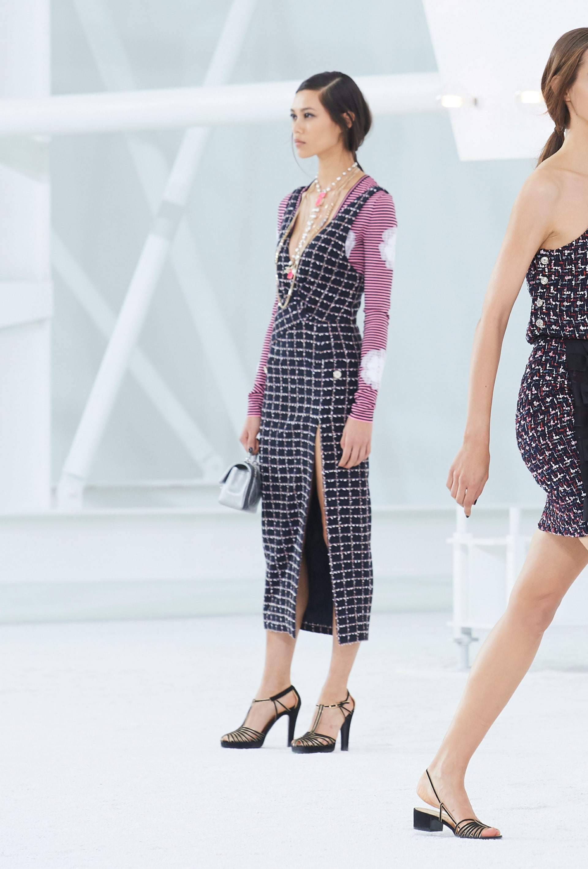 View 4 - Look 16 - Spring-Summer 2021 - see full sized version