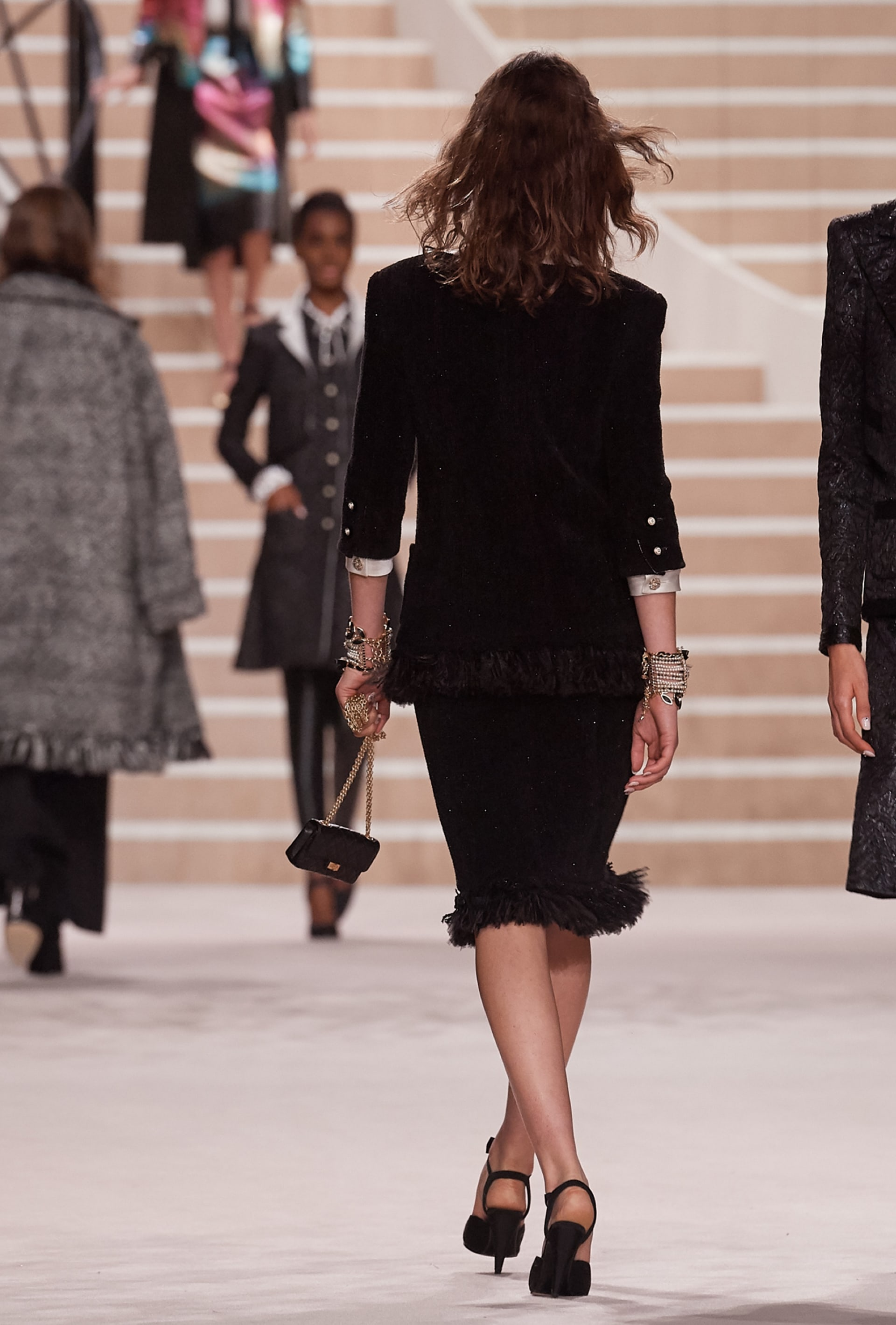 View 4 - Look 8 - Métiers d'Art 2019/20 - see full sized version