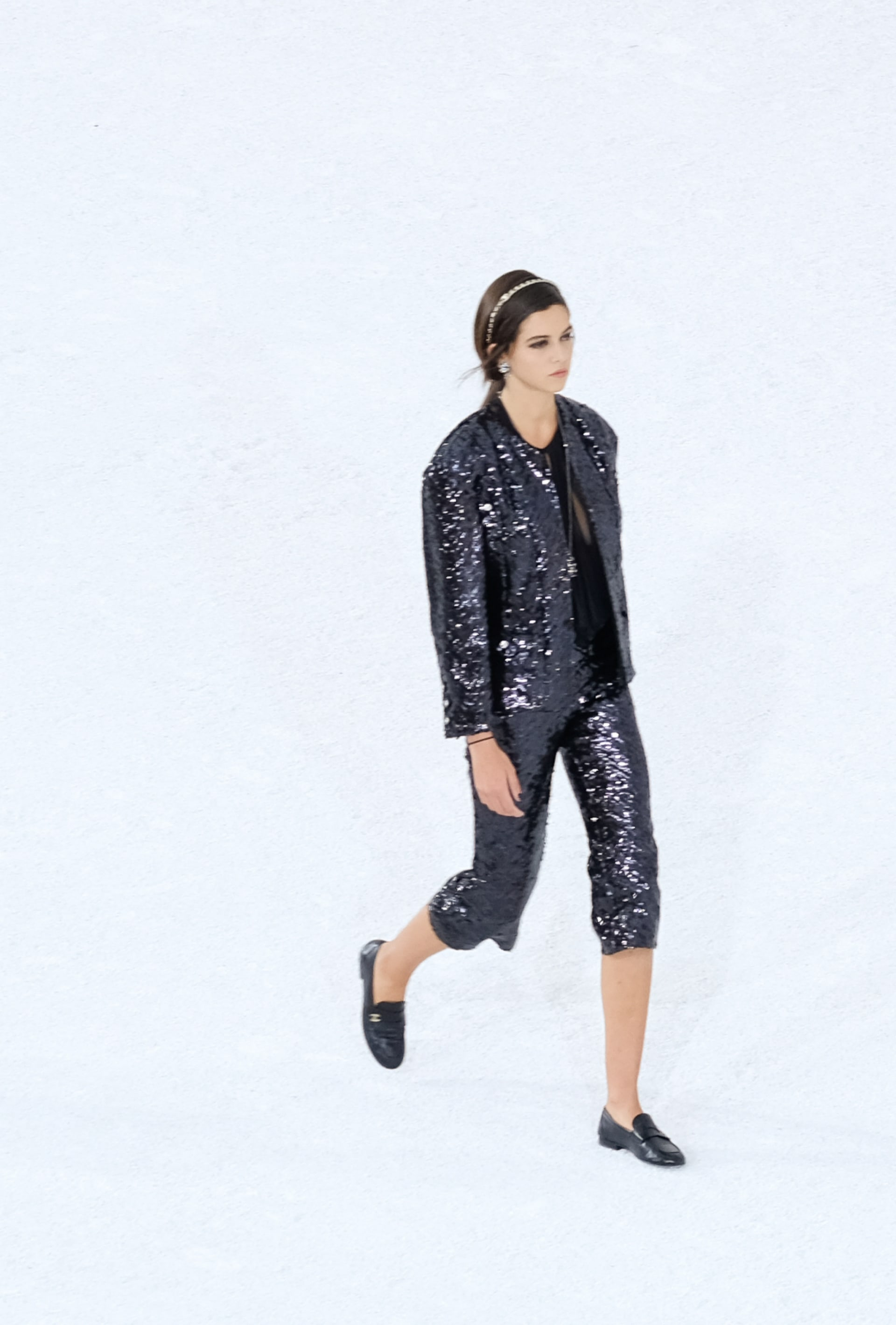 View 3 - Look 19 - Spring-Summer 2021 - see full sized version