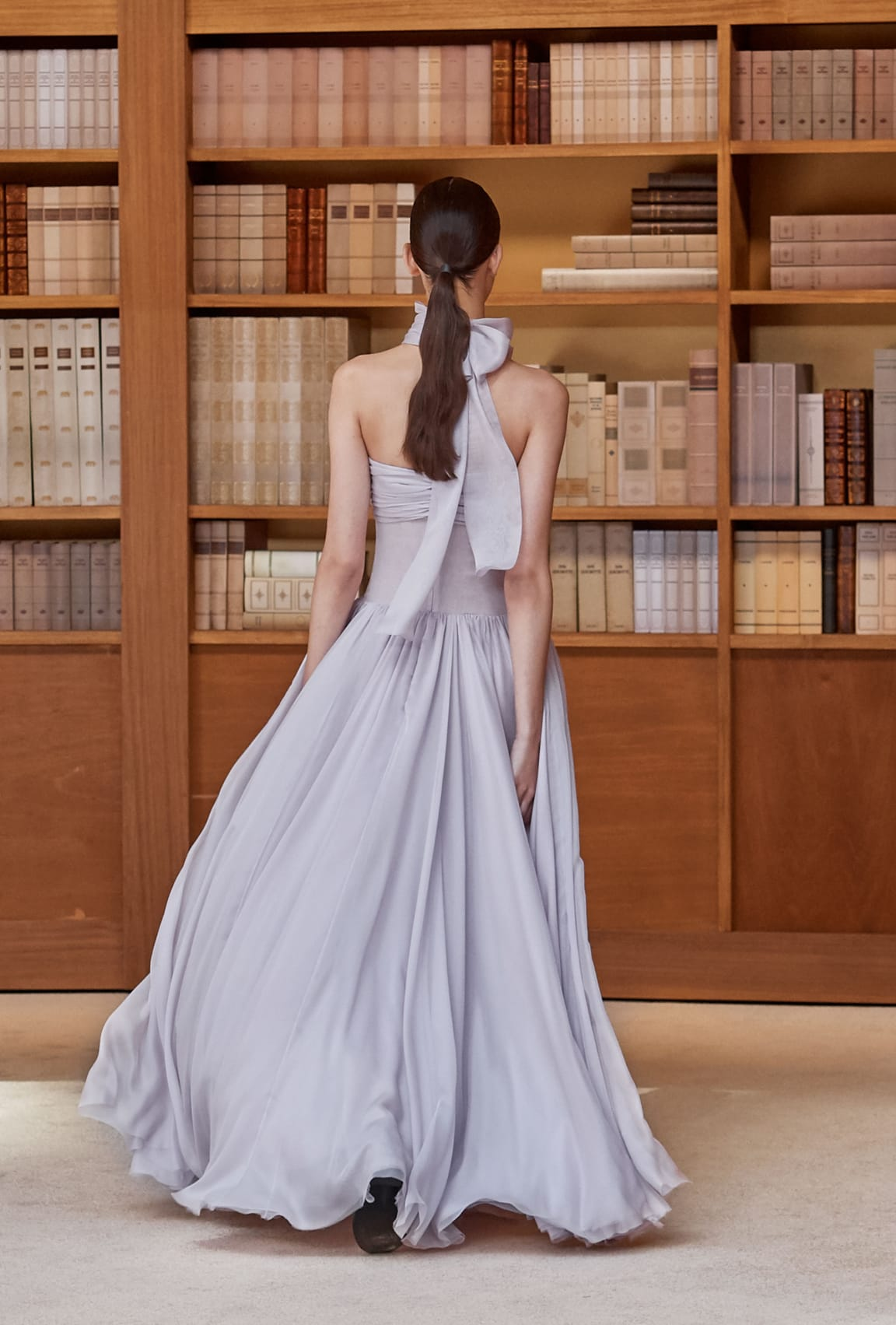View 4 - Look 34 - Fall-Winter 2019/20 Haute-Couture - see full sized version