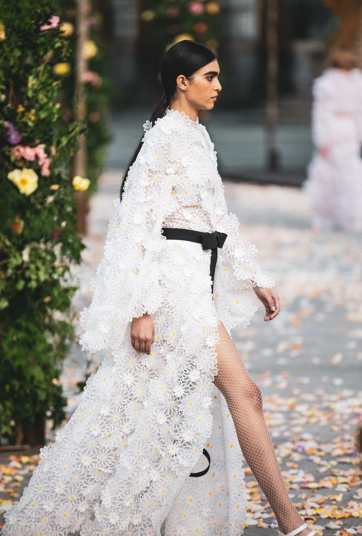 View 2 - Look 30 - Spring-Summer 2021 Haute Couture - see full sized version