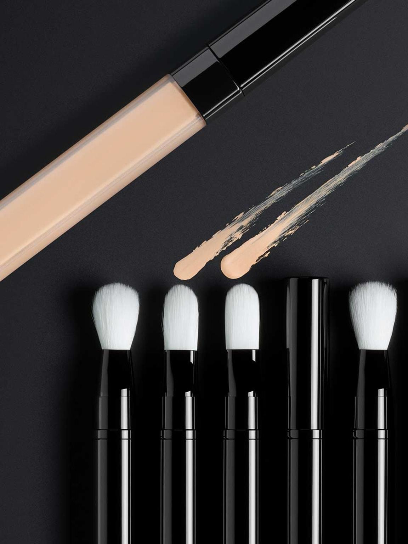 Les Pinceaux De Chanel Makeup Brushes