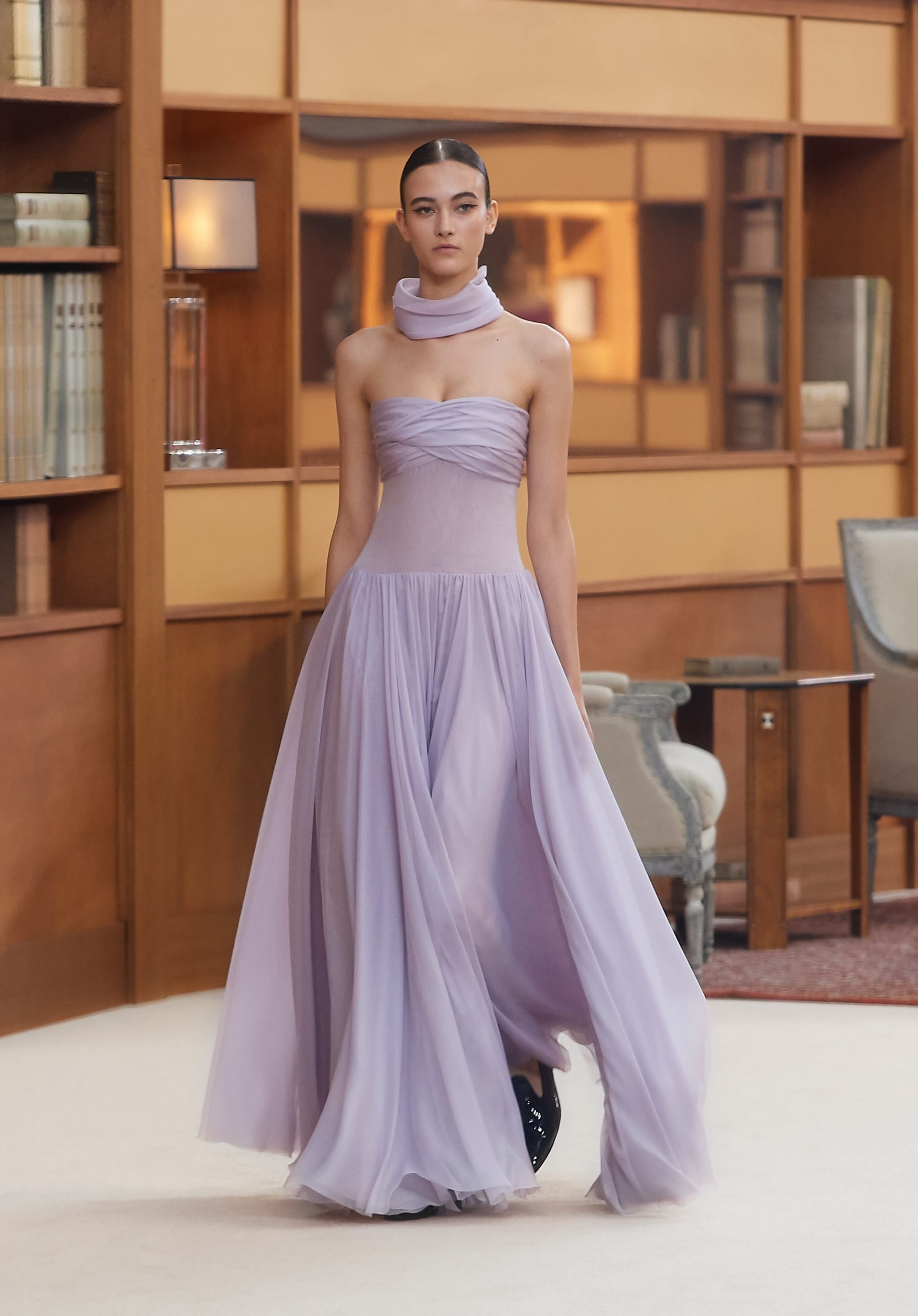 View 1 - Look 34 - Fall-Winter 2019/20 Haute-Couture - see full sized version