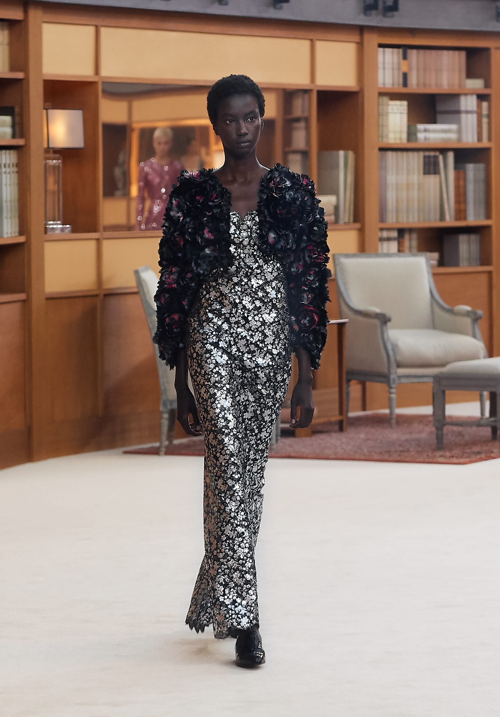 View 1 - Look 47 - Fall-Winter 2019/20 Haute-Couture - see full sized version
