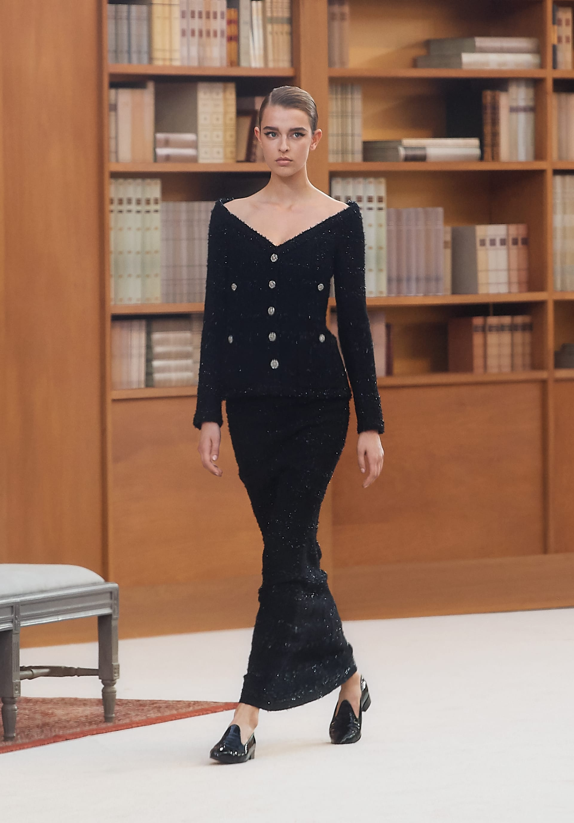 View 1 - Look 30 - Fall-Winter 2019/20 Haute-Couture - see full sized version