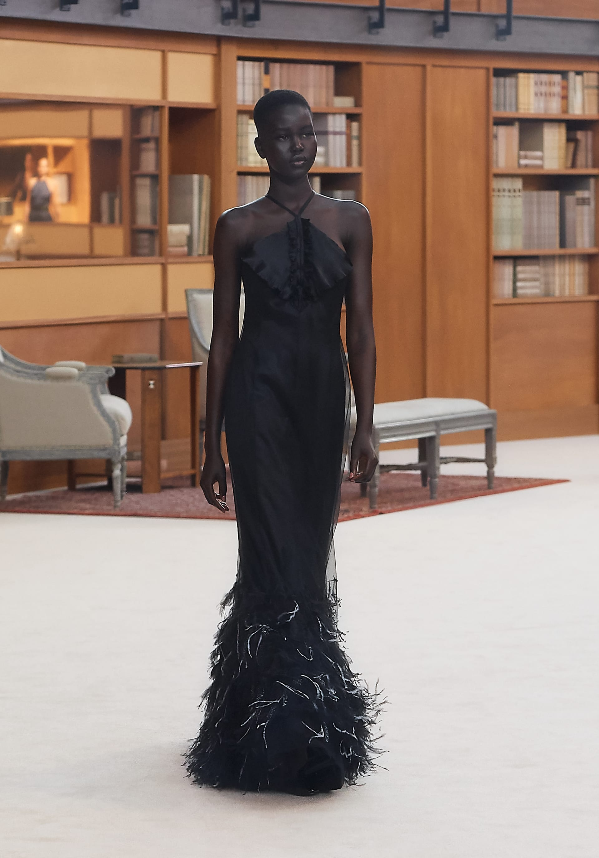View 1 - Look 63 - Fall-Winter 2019/20 Haute-Couture - see full sized version
