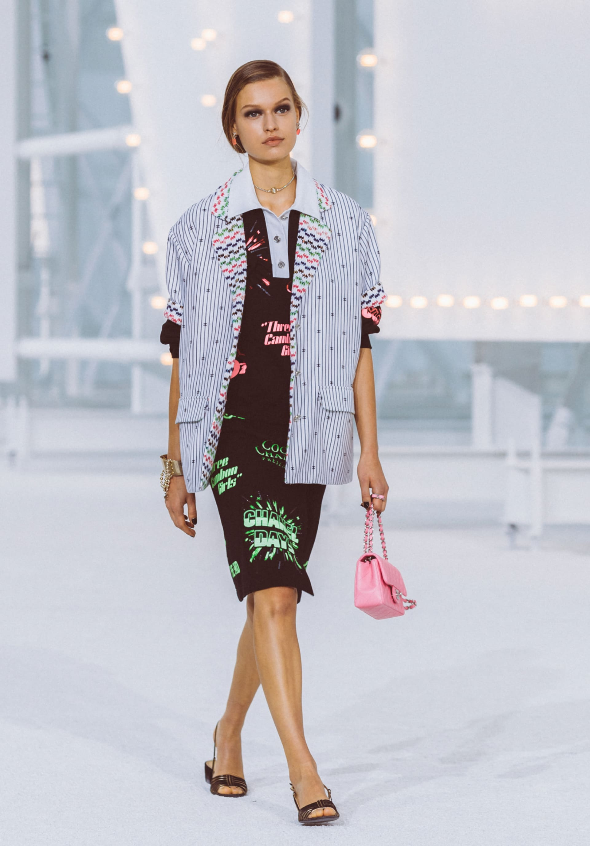 View 1 - Look26 - Spring-Summer 2021 - see full sized version