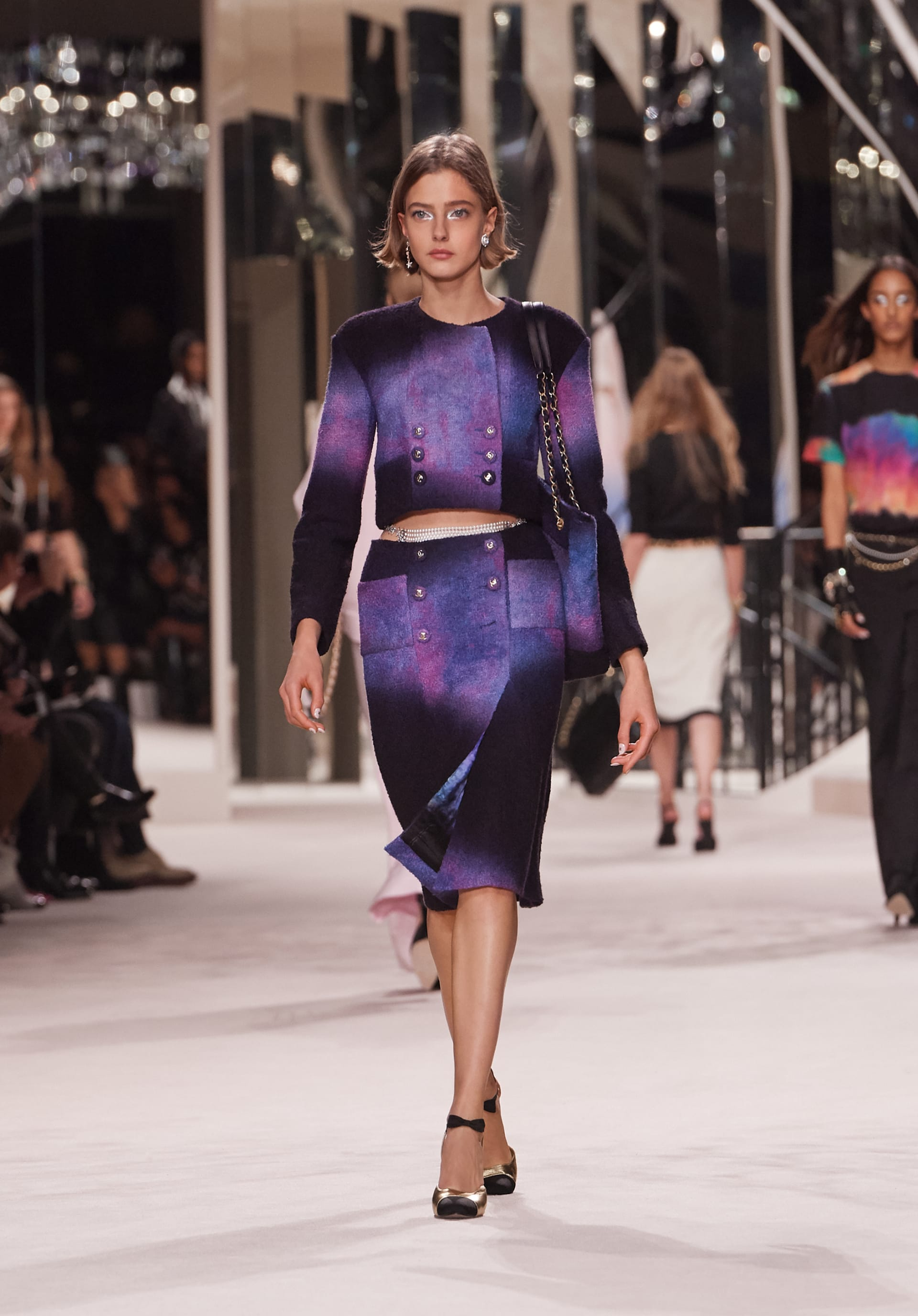 View 1 - Look 23 - Métiers d'Art 2019/20 - see full sized version