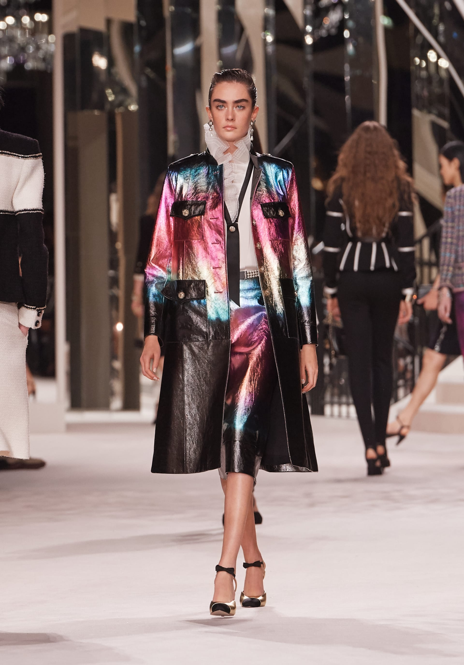 View 1 - Look 20 - Métiers d'Art 2019/20 - see full sized version