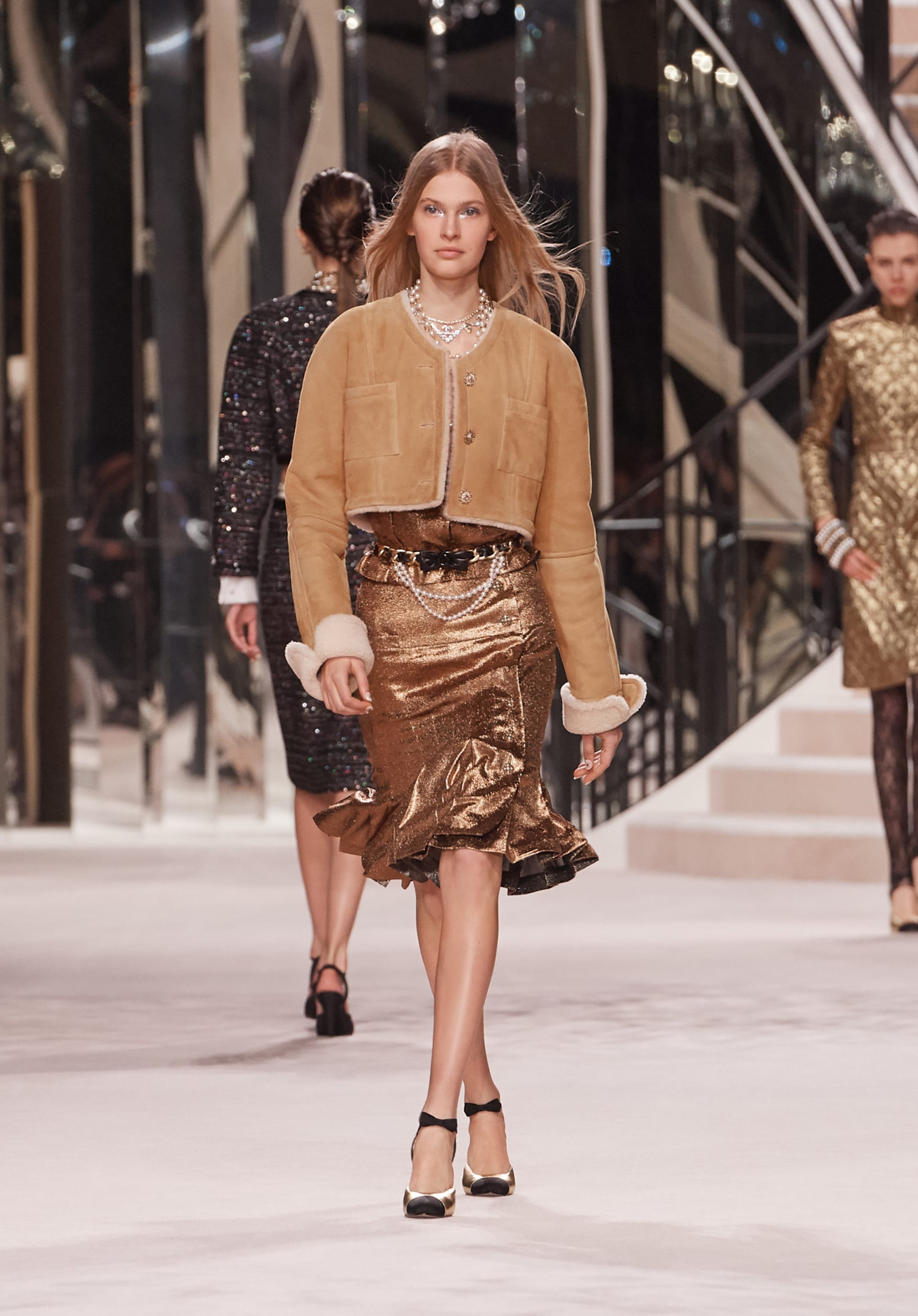 View 1 - Look 50 - Métiers d'Art 2019/20 - see full sized version