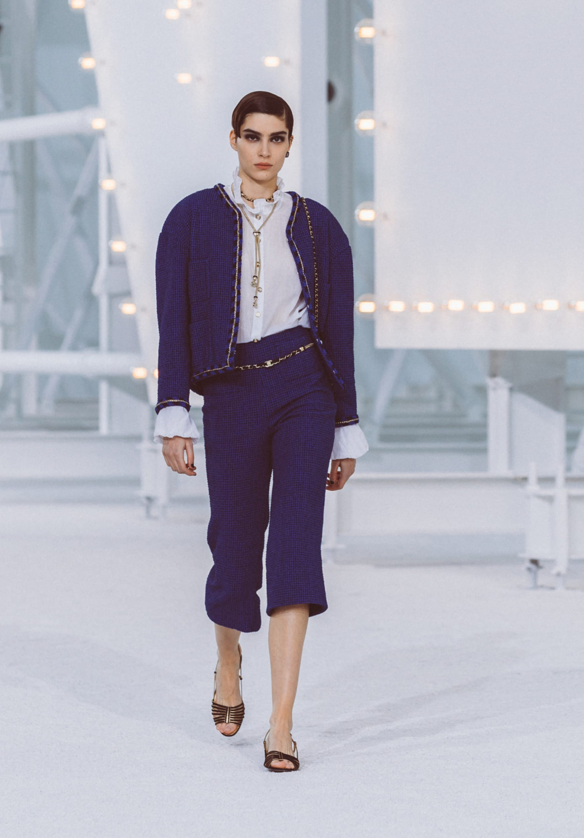 View 1 - Look21 - Spring-Summer 2021 - see full sized version