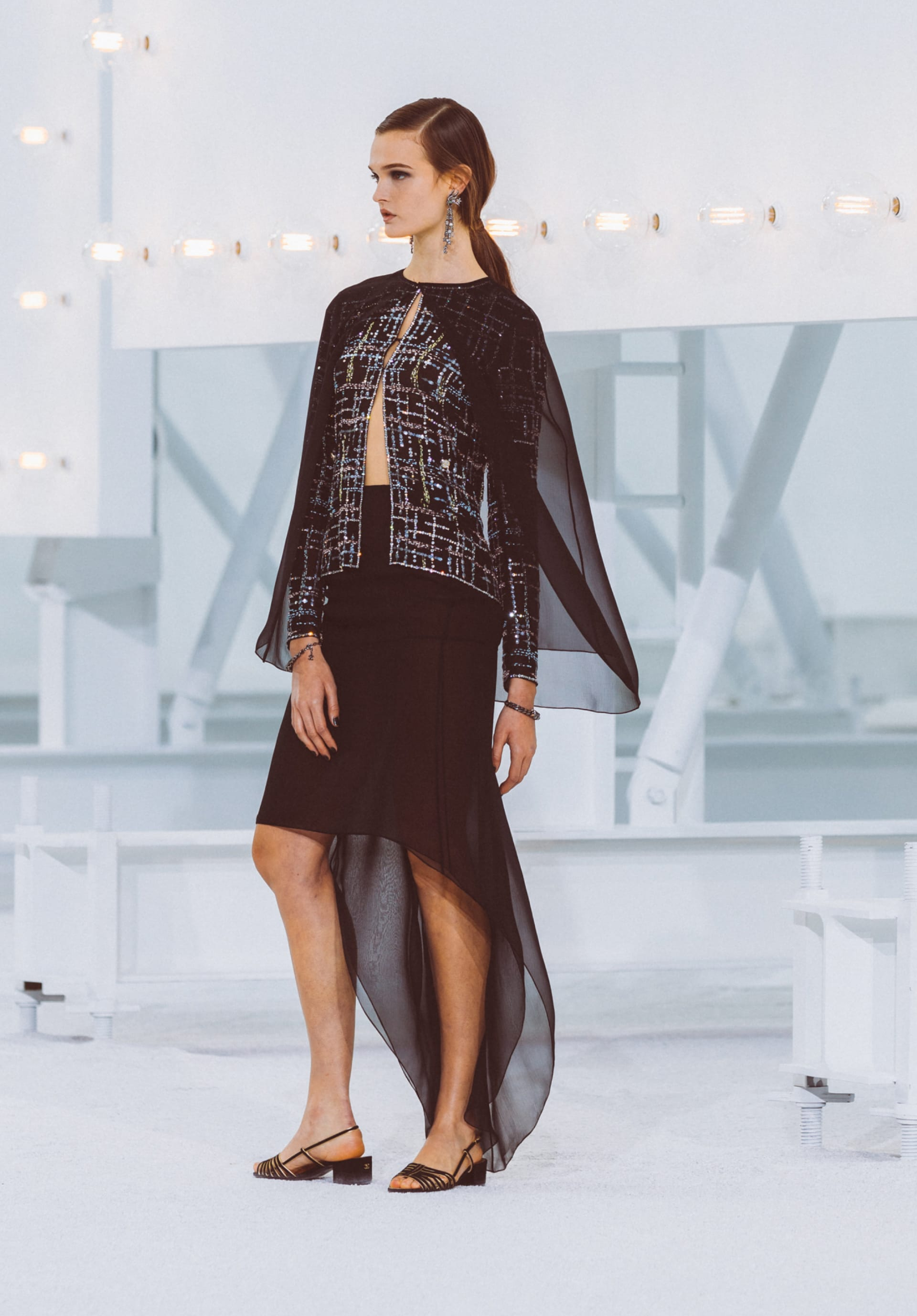 View 1 - Look66 - Spring-Summer 2021 - see full sized version