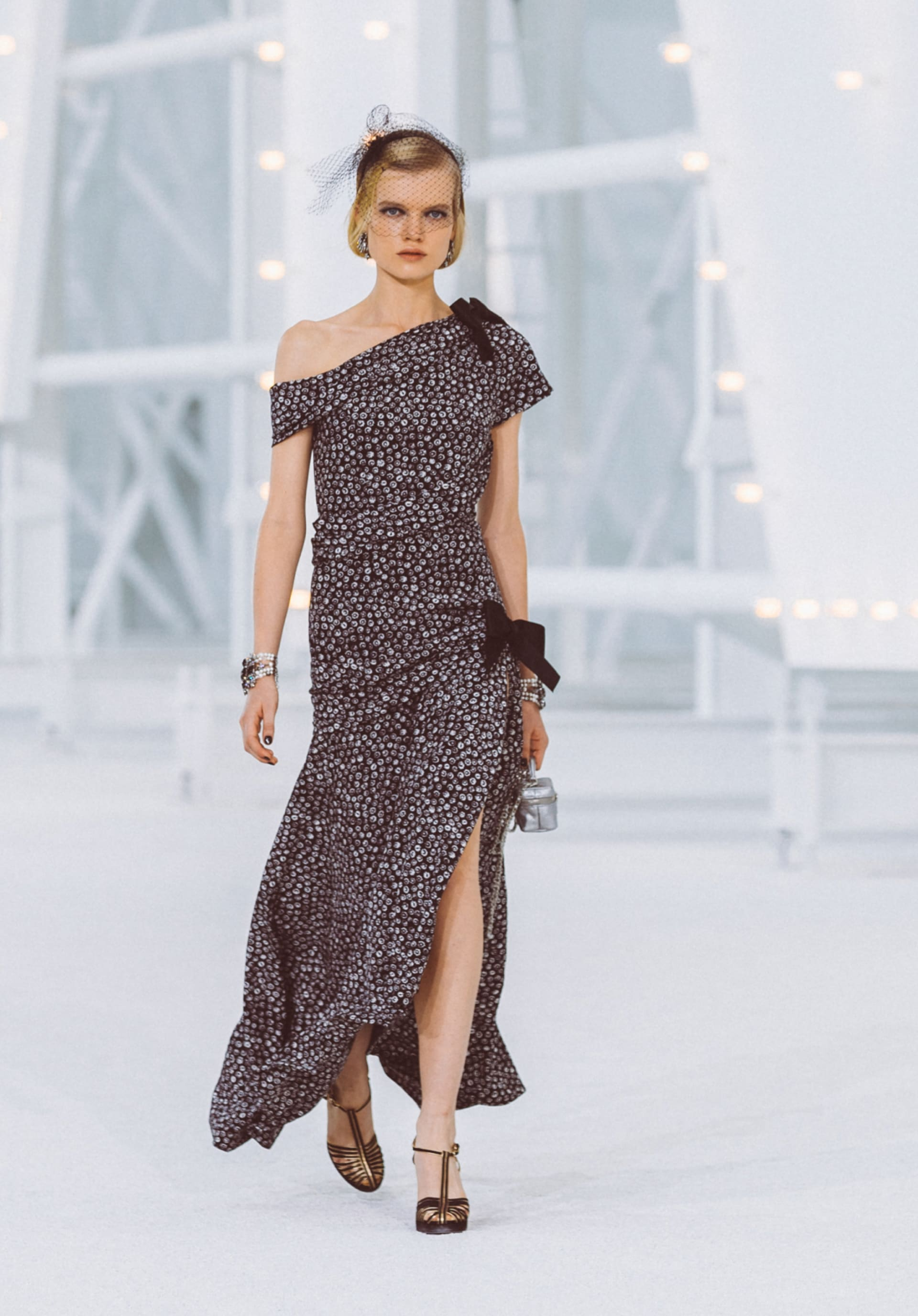 View 1 - Look6 - Spring-Summer 2021 - see full sized version