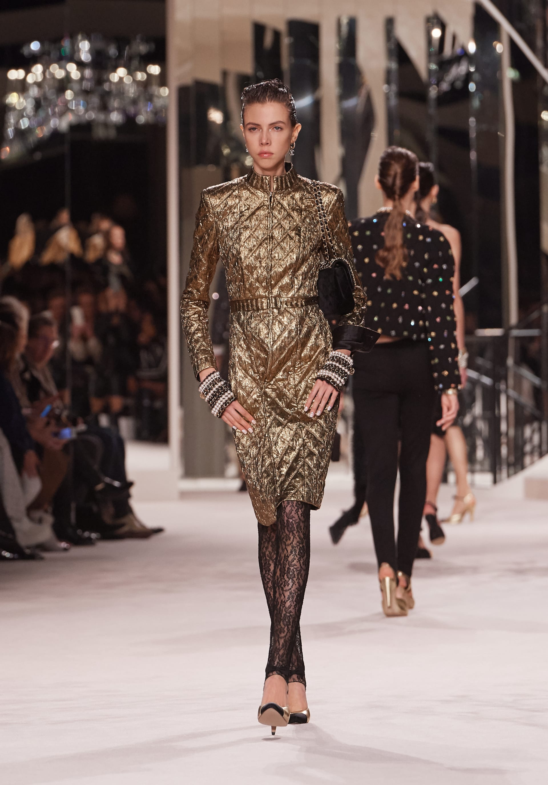 View 1 - Look 51 - Métiers d'Art 2019/20 - see full sized version