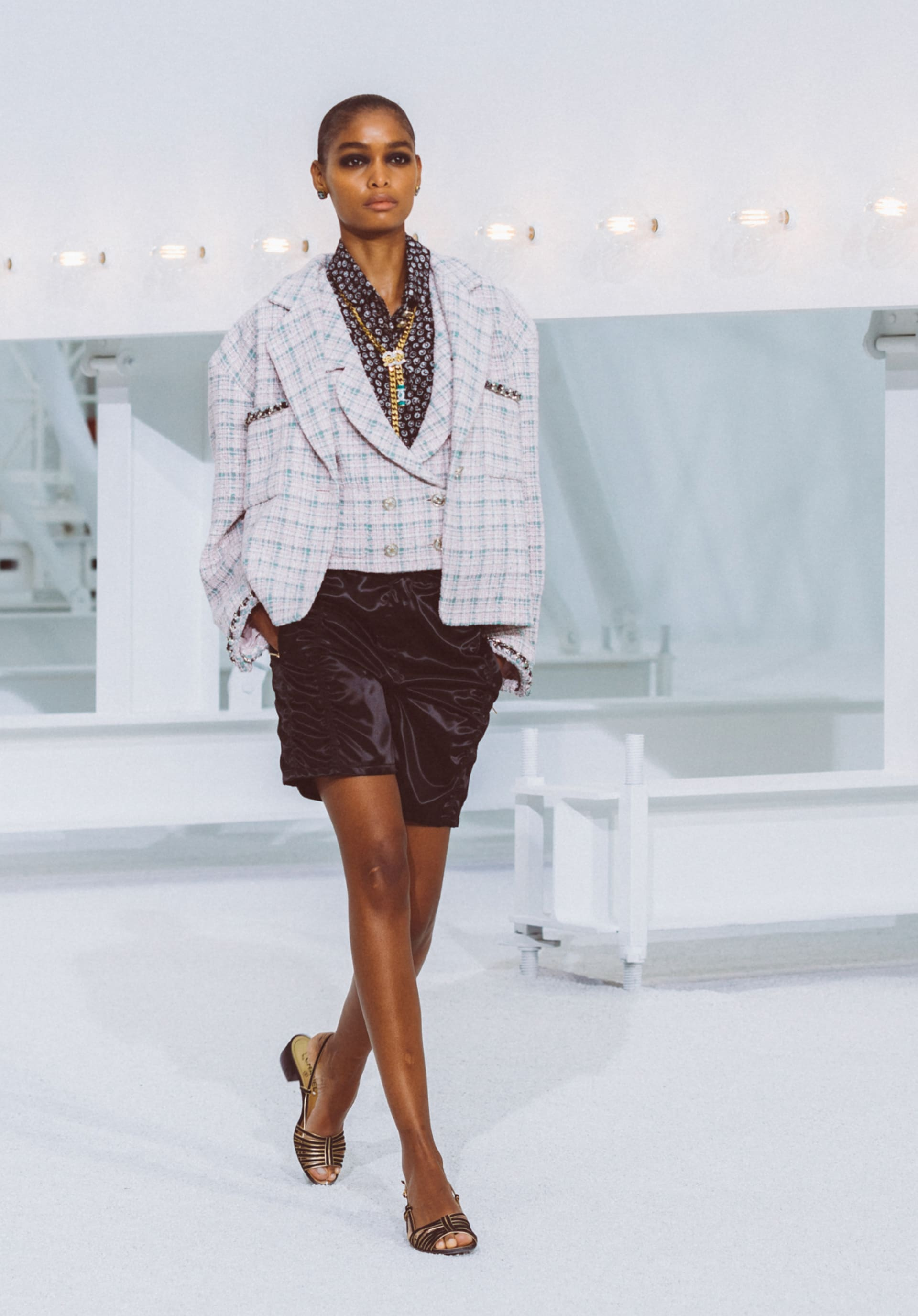 View 1 - Look4 - Spring-Summer 2021 - see full sized version