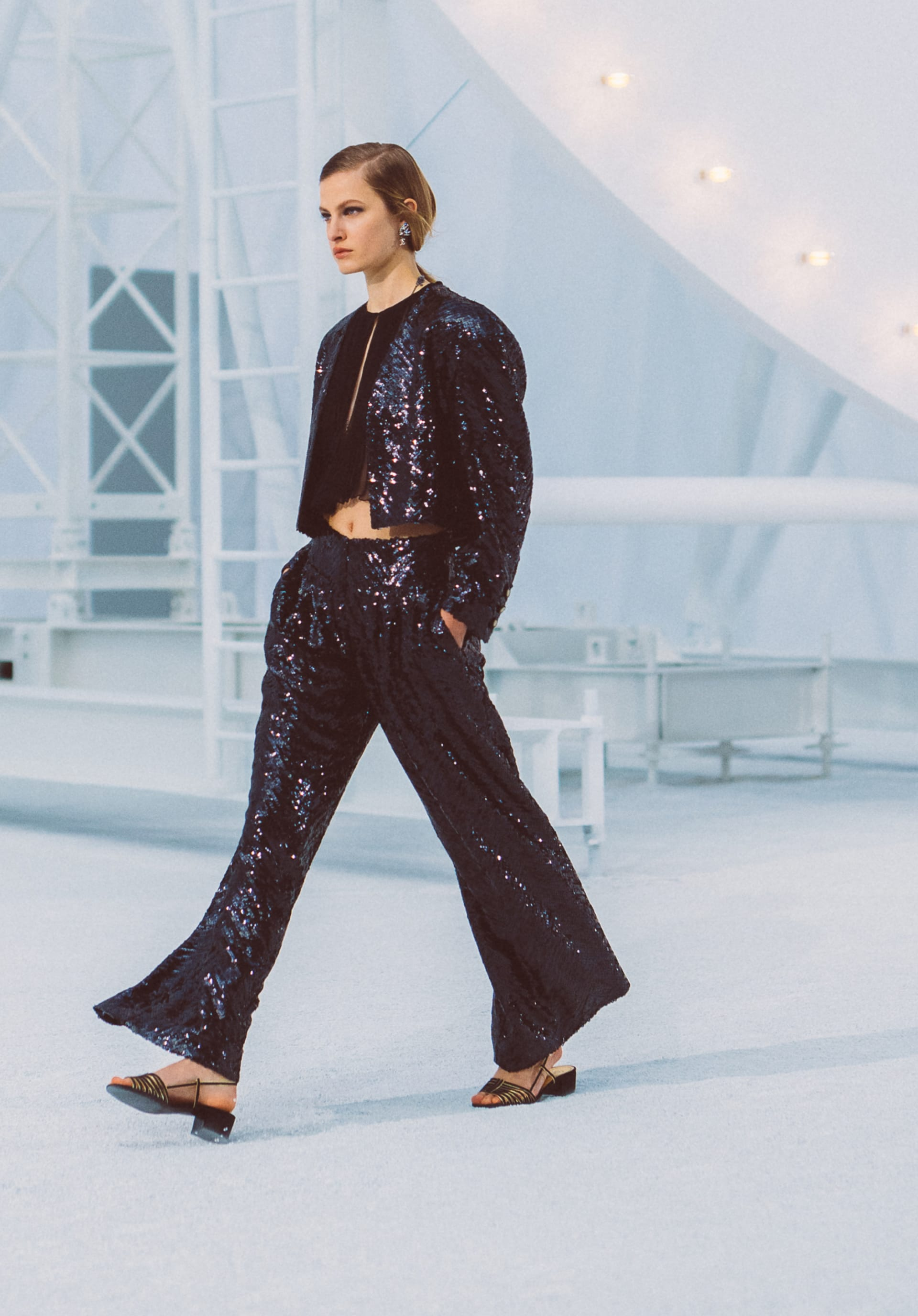 View 1 - Look64 - Spring-Summer 2021 - see full sized version