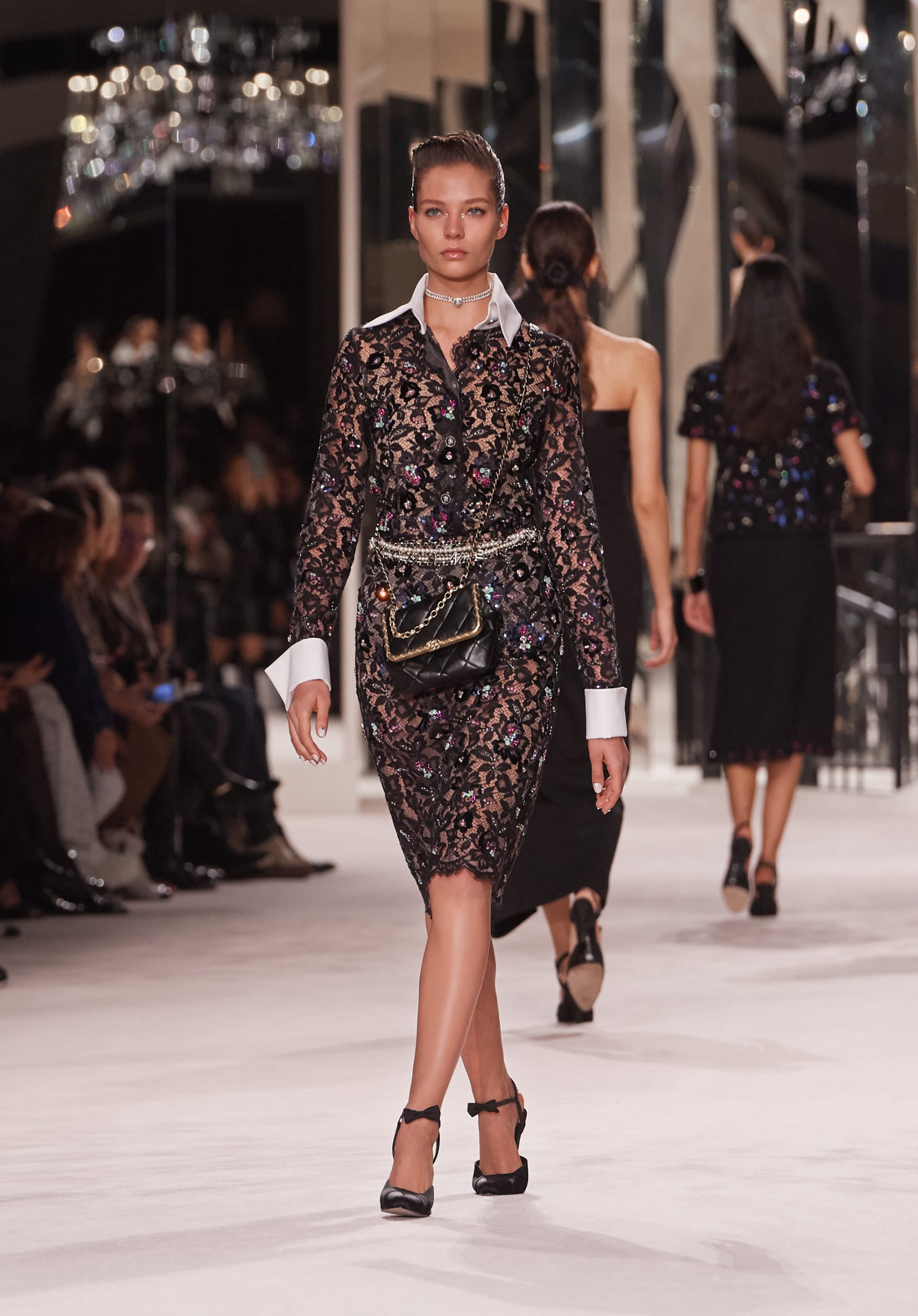 View 1 - Look 54 - Métiers d'Art 2019/20 - see full sized version