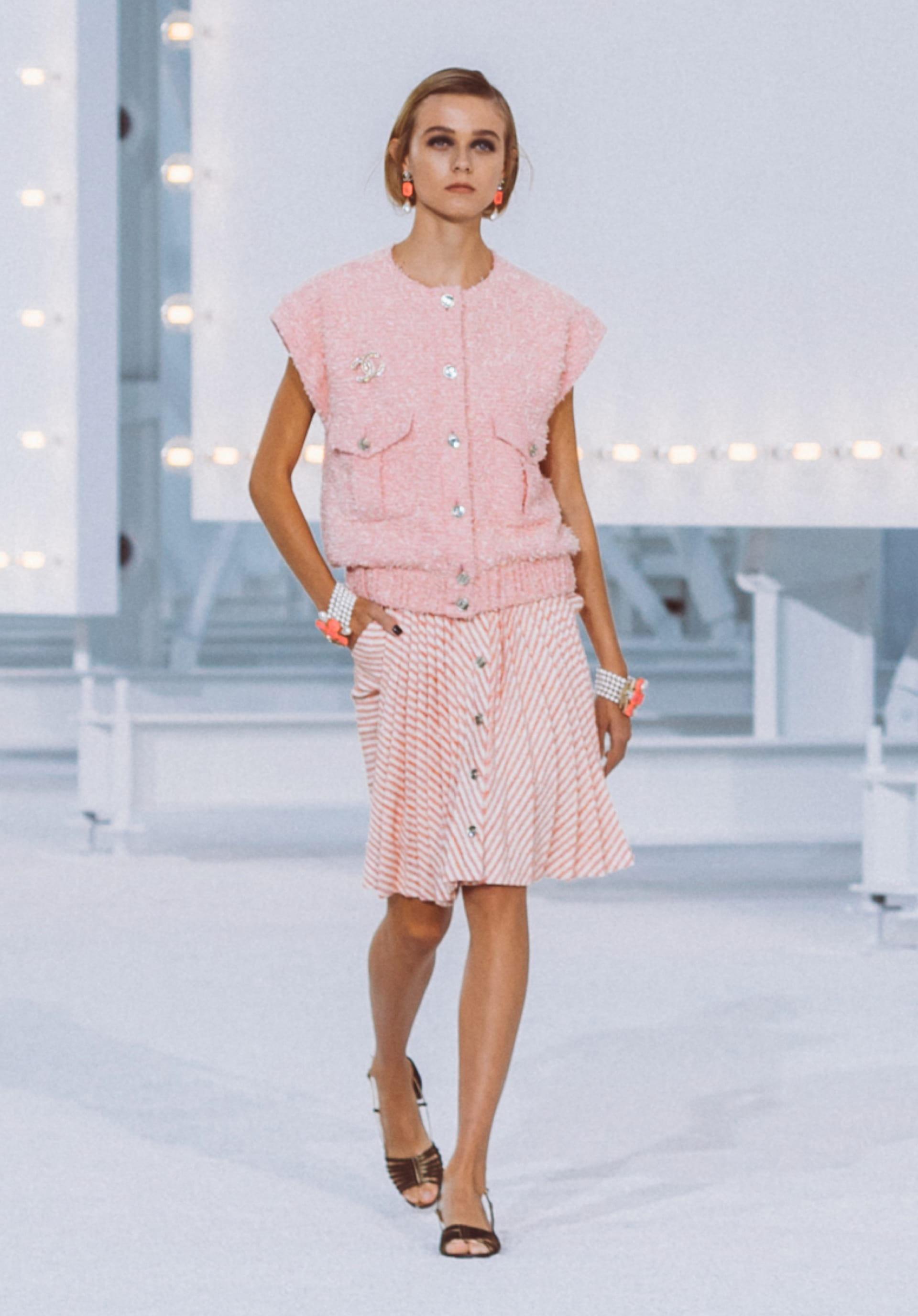 View 1 - Look41 - Spring-Summer 2021 - see full sized version