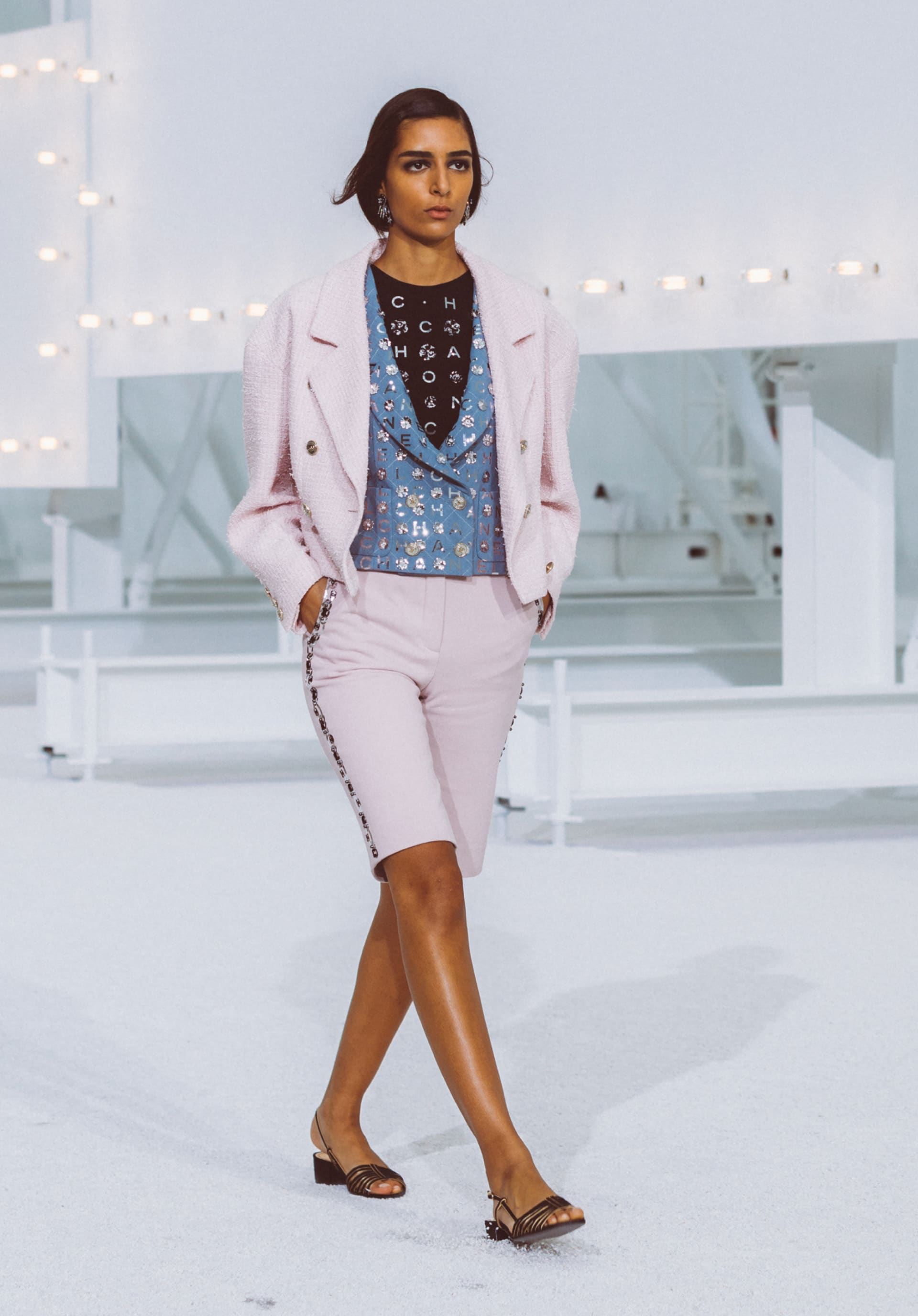 View 1 - Look5 - Spring-Summer 2021 - see full sized version