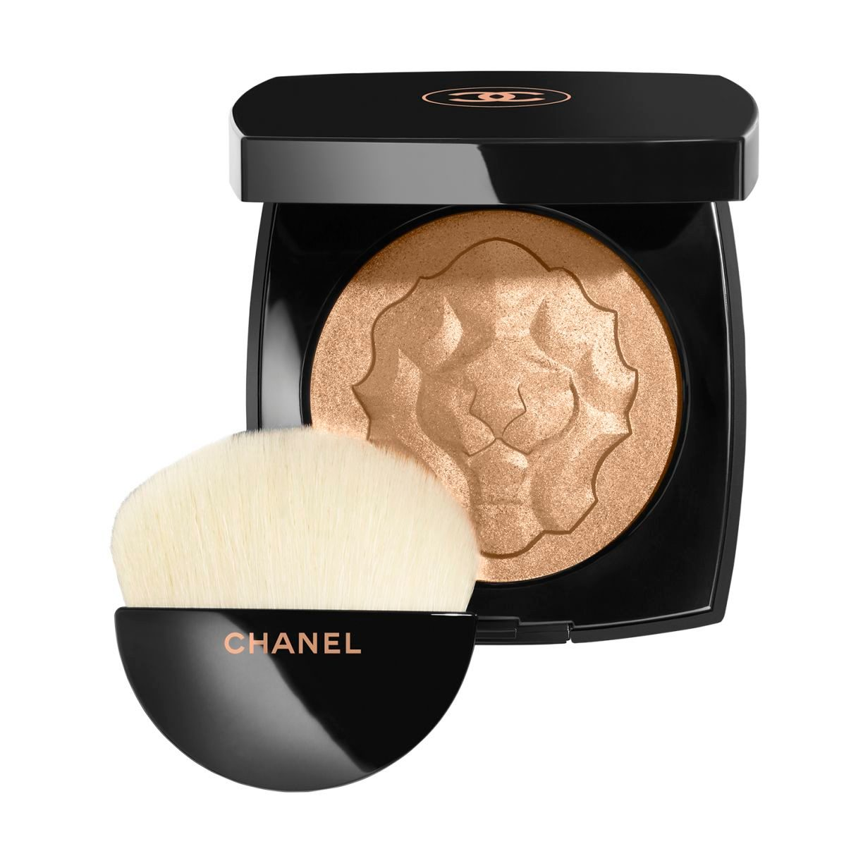 LE LION DE CHANEL EXCLUSIVE CREATION. FACE HIGHLIGHTING POWDER