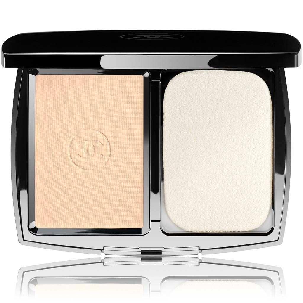 PERFECTION LUMIÈRE EXTRÊME EXTREME LONG-WEAR AND PORE MINIMIZING POWDER FOUNDATION SPF 25 / PA+++ 10 - BEIGE