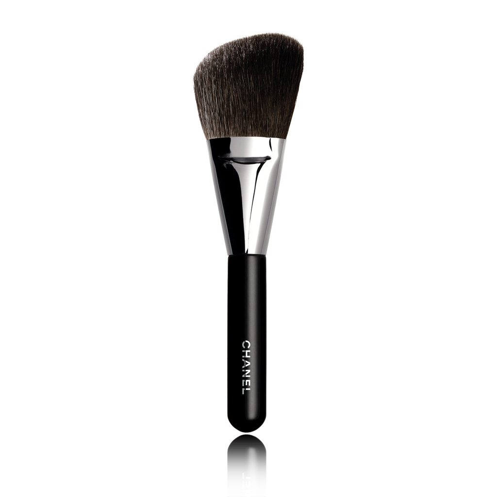 PINCEAU POUDRE ROND N°2 ANGLED POWDER BRUSH