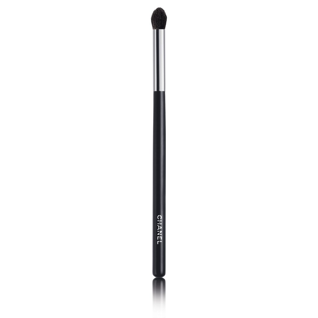 GRAND PINCEAU PAUPIÈRES ROND N°19 LARGE TAPERED BLENDING BRUSH 1pce
