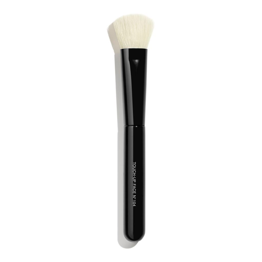 TOUCH-UP FACE BRUSH N°104 PINCEAU RETOUCHE TEINT N°104 1pce