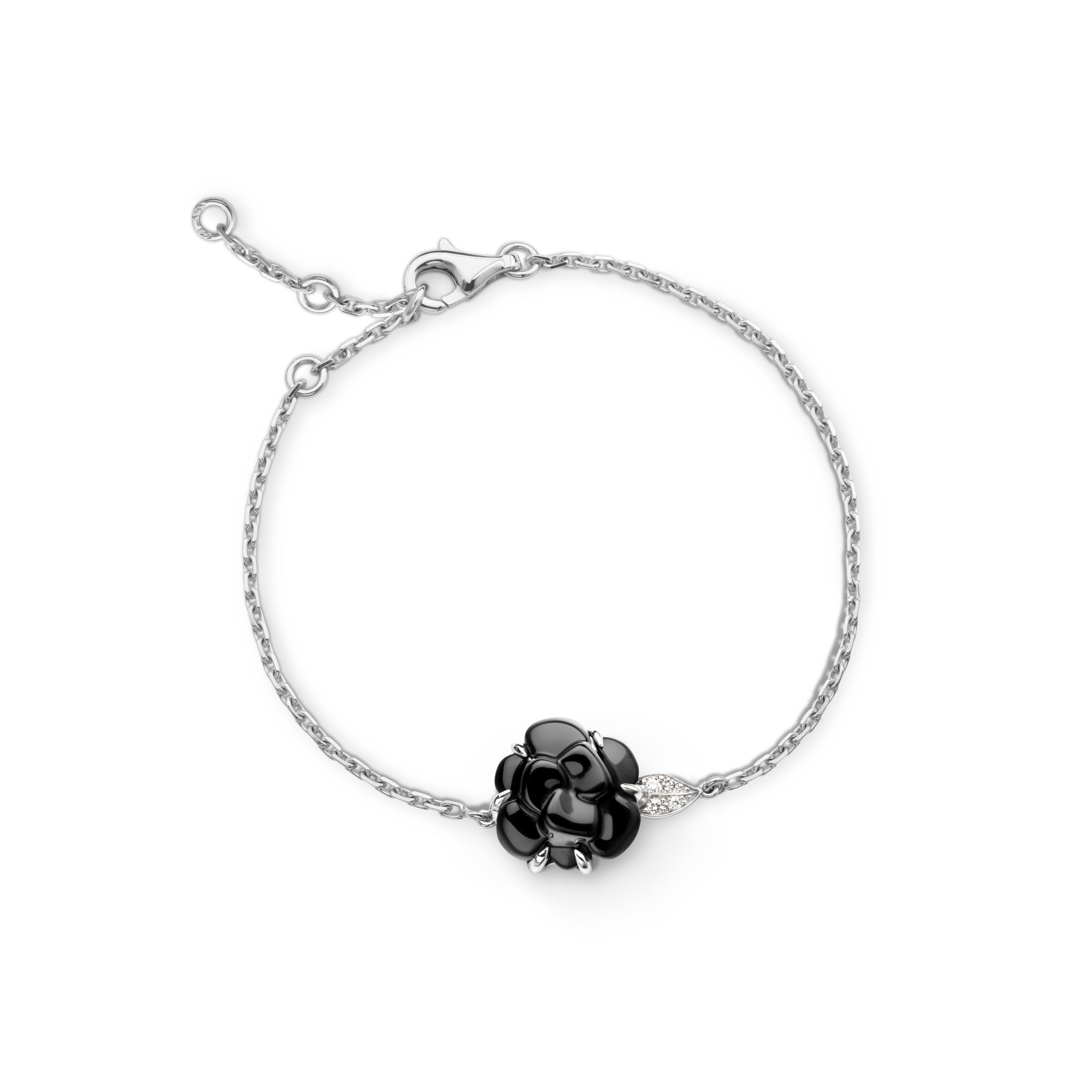 Camélia bracelet - Camélia Sculpté bracelet in black onyx, 18K white gold and diamonds - Default view - see full sized version
