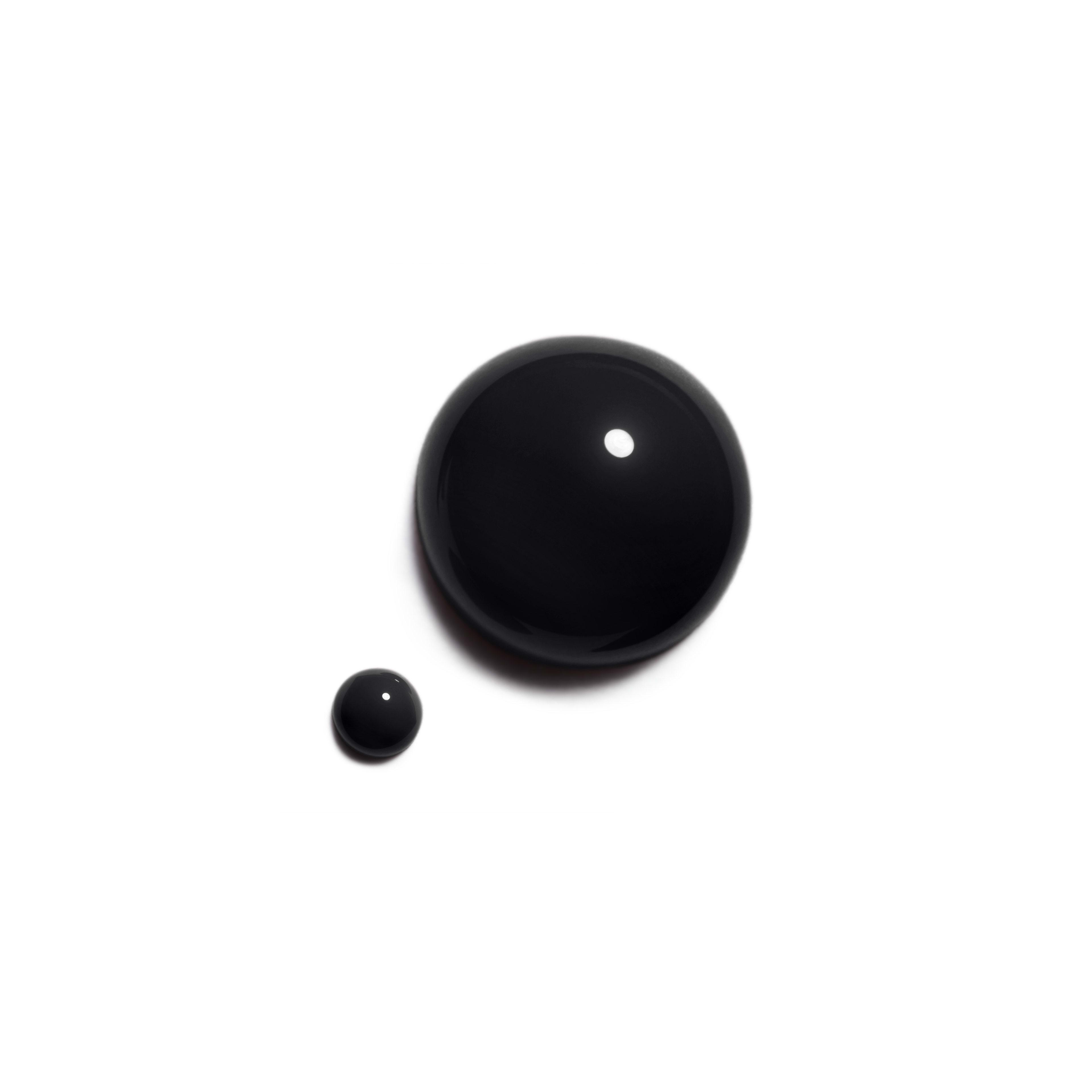 LE VERNIS - makeup - 0.4FL. OZ. - Basic texture view
