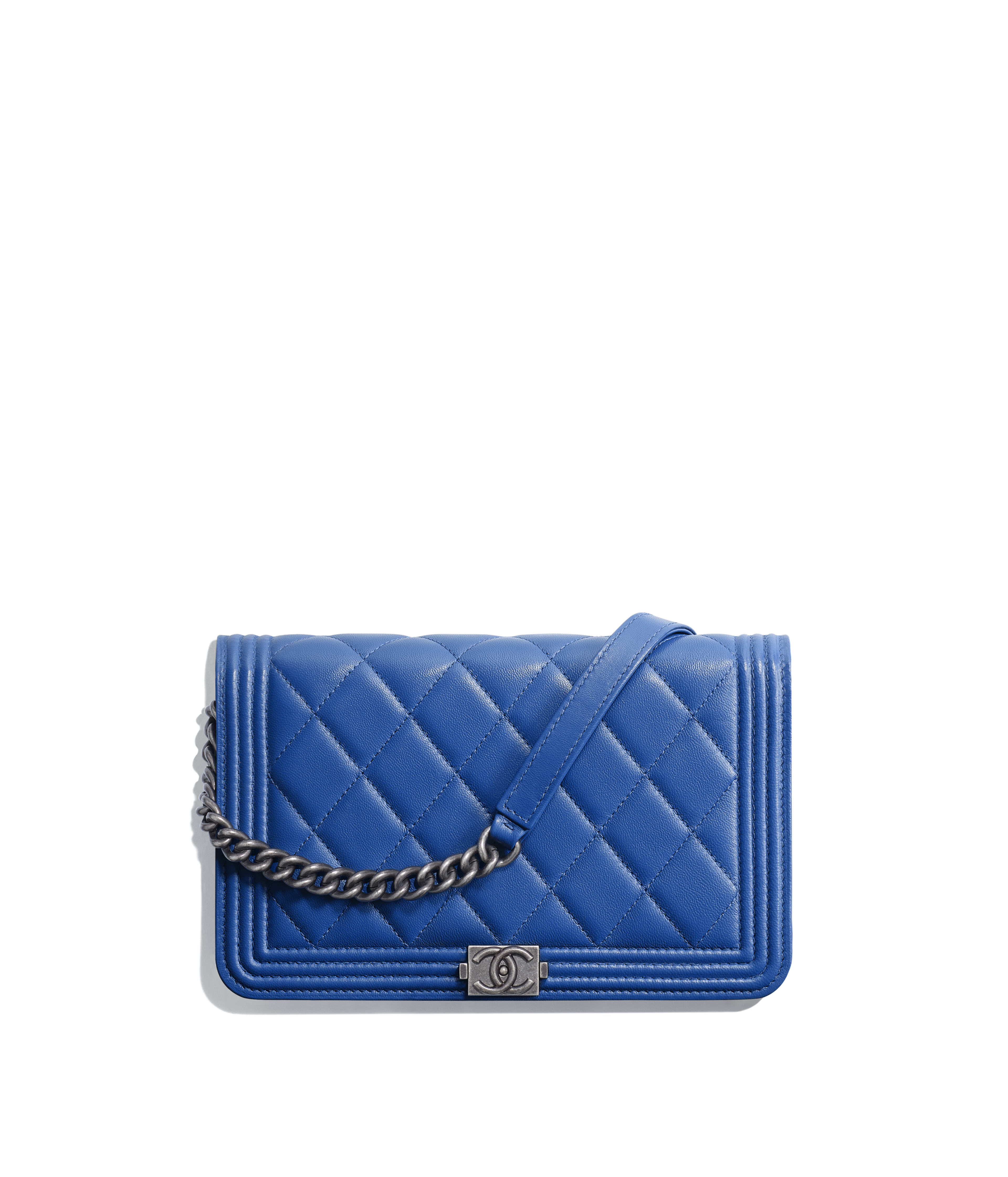 43f51a32e0e6 BOY CHANEL Wallet on Chain Lambskin & Ruthenium-Finish Metal, Blue Ref.  A81969Y046385B646