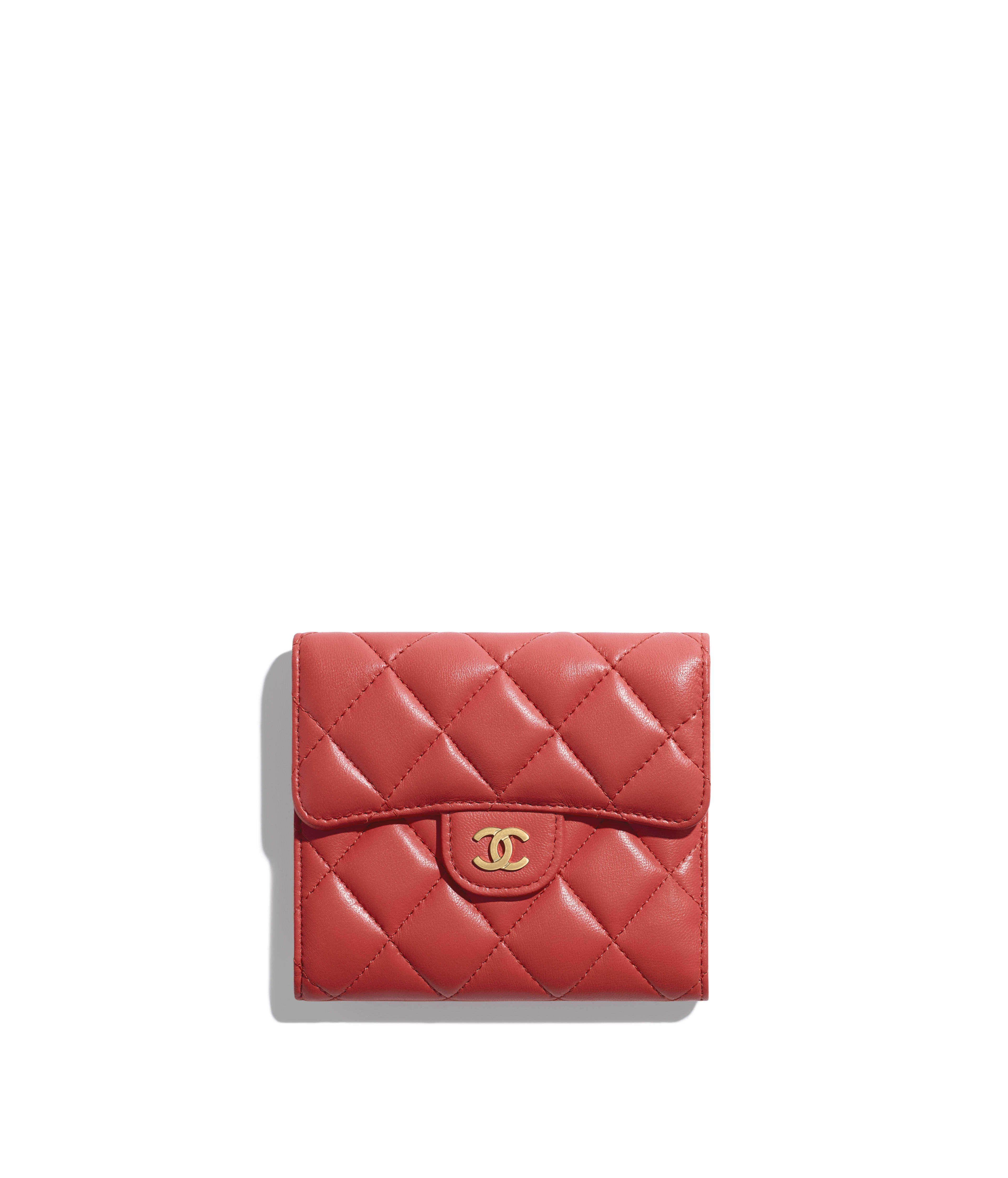 aa638d1fbfd8c9 Classic Small Flap Wallet Lambskin & Gold-Tone Metal, Red Ref.  A82288Y07659N0896