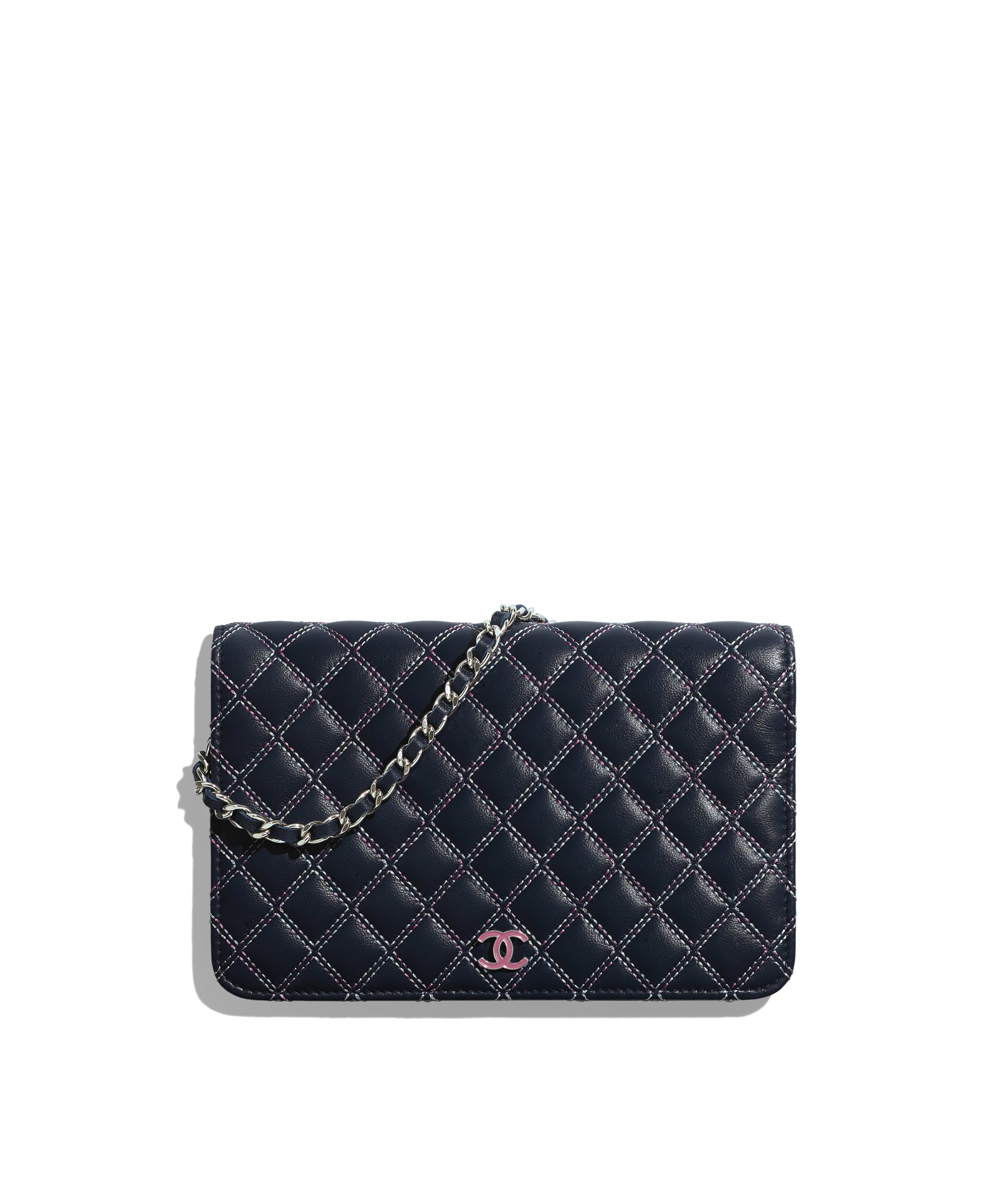 a8ec96a3601a Wallet on Chain Lambskin & Lacquered Silver-Tone Metal, Navy Blue & Pink  Ref. AP0184B00101N0470