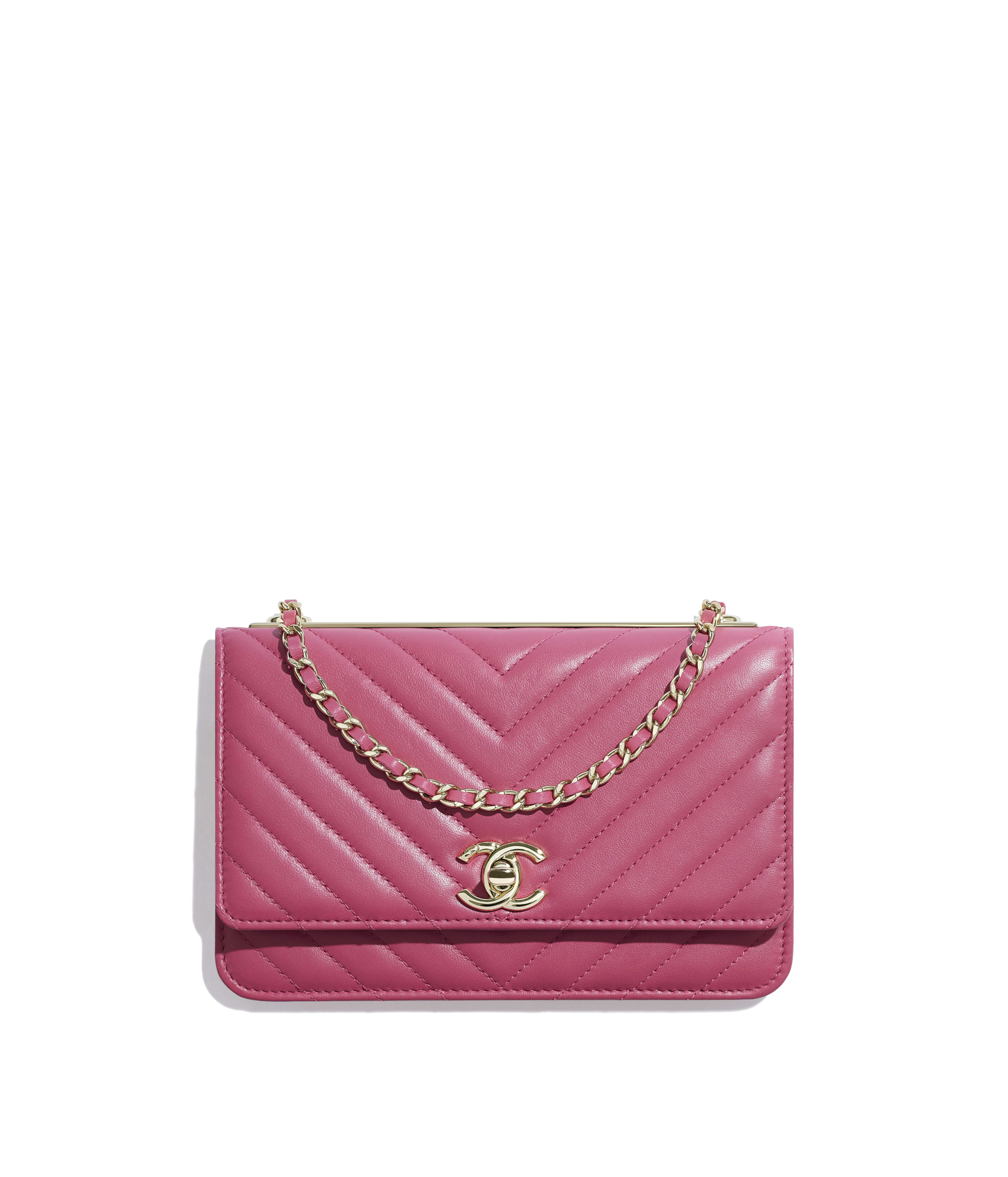 4b6660e0acce Wallet on Chain Lambskin & Gold-Tone Metal, Pink Ref. A80982Y833665B649
