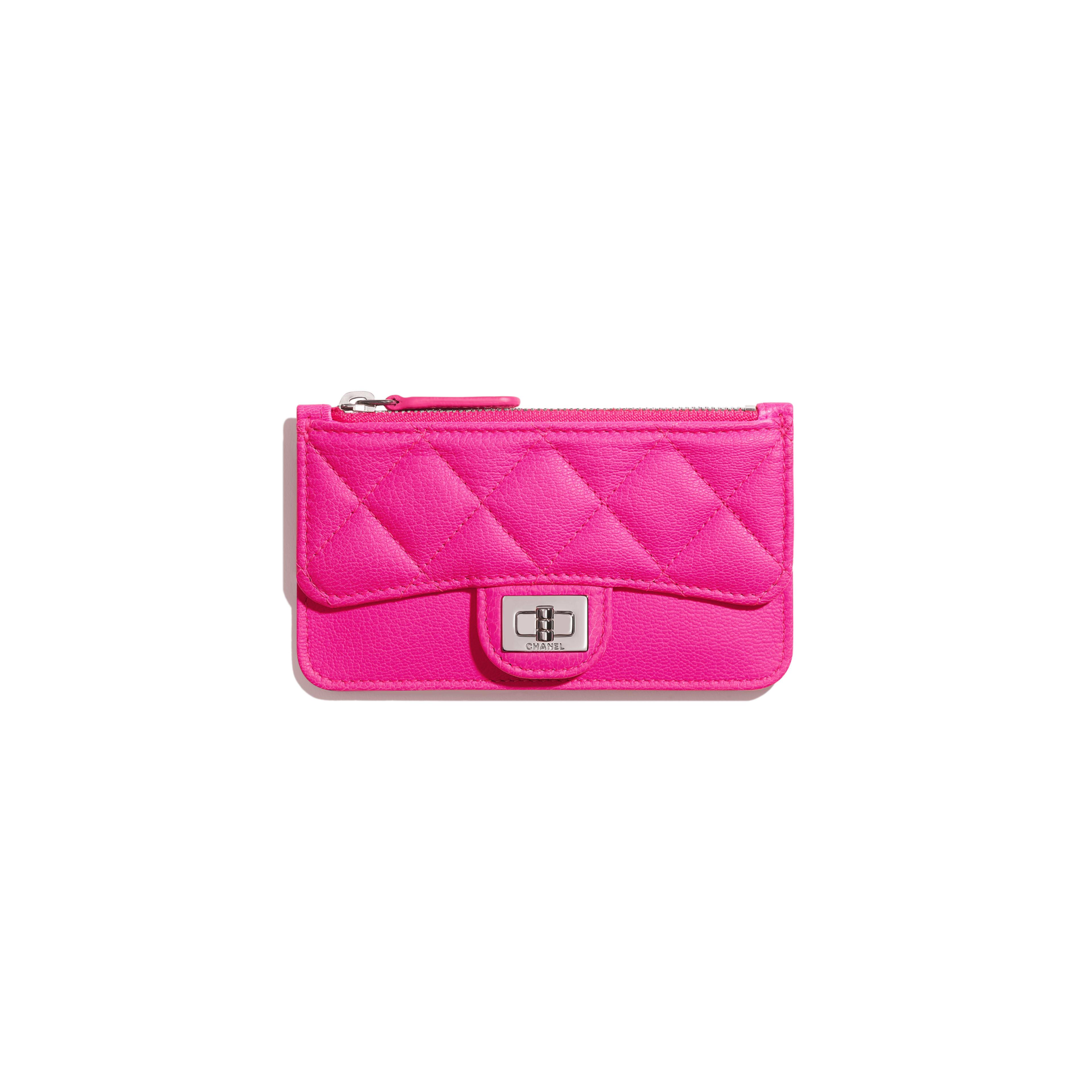 กระเป๋าใส่การ์ดแบบฝาปิดทรง 2.55 - สีชมพู - หนังแพะและโลหะสีเงิน - มุมมองปัจจุบัน - ดูเวอร์ชันขนาดเต็ม